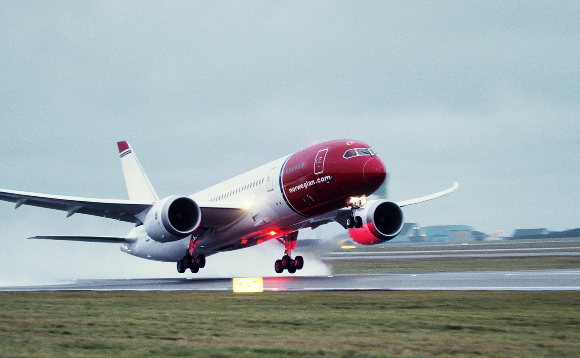 En Norwegian Boeing B787 Dreamliner letter fra Københavns Lufthavn. Pressefoto.