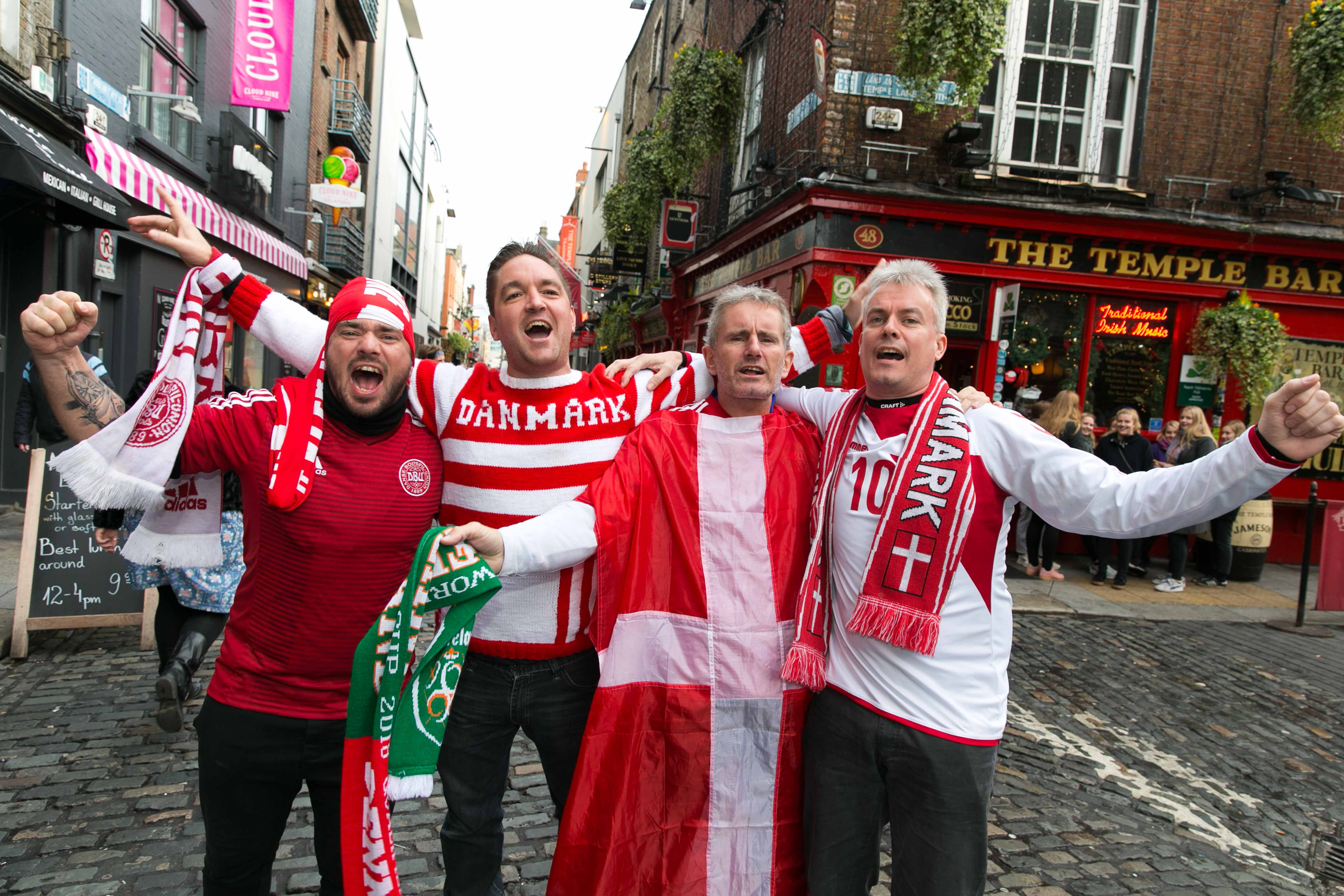 Danmark skal atter spille kvalifikations landskampe mod Irland – her er danske fans i Dublin. Foto: Tourism Ireland, Shane O'Neill, SON Photographic.