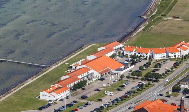 Ebeltoft Strand skal omdøbes til Langhoff & Juul Strandhotel og være et boutiquehotel. Pressefoto.