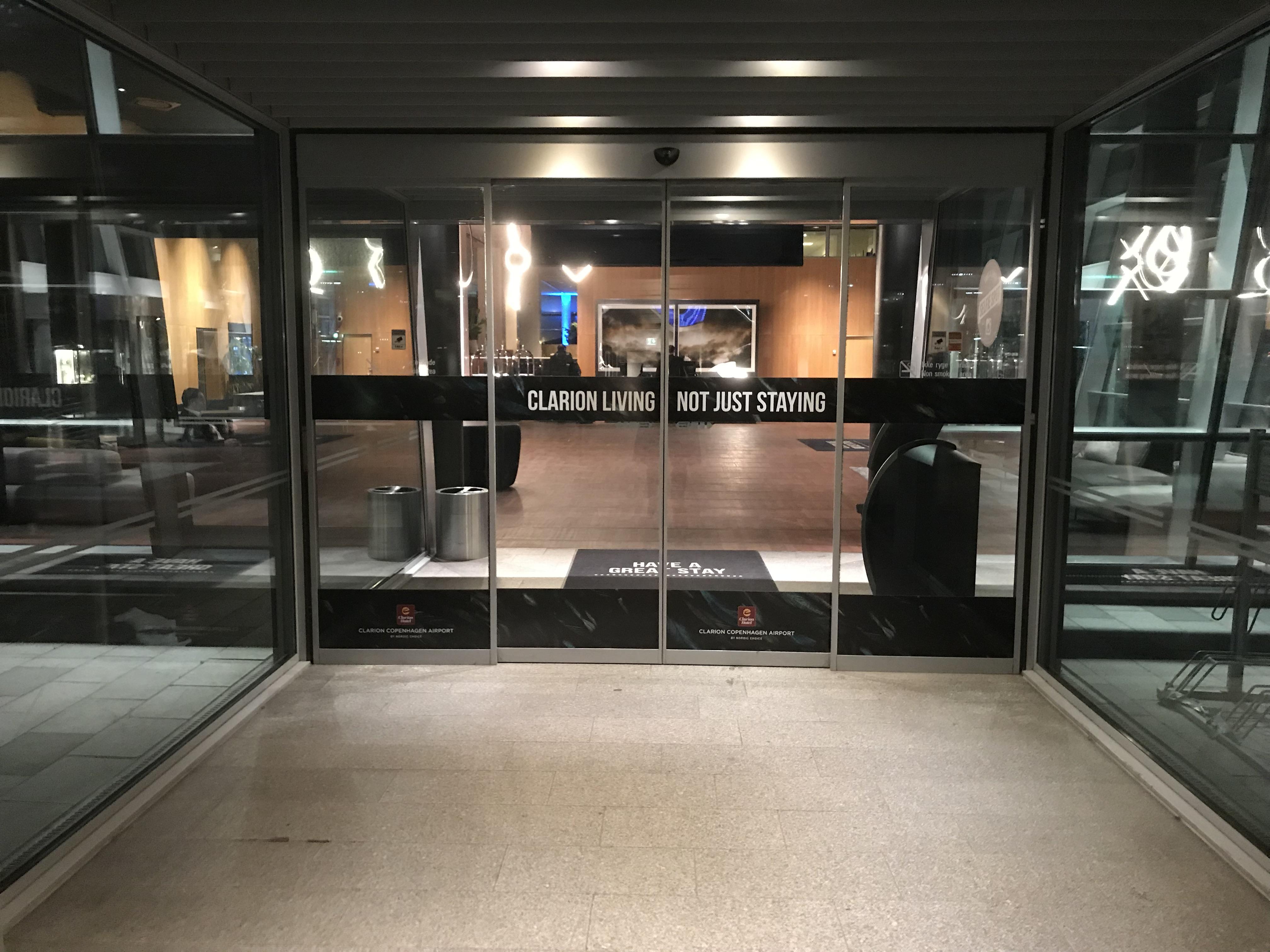 Den vestlige indgang til Clarion Hotel Copenhagen Airport. (Foto: Ole Kirchert Christensen)