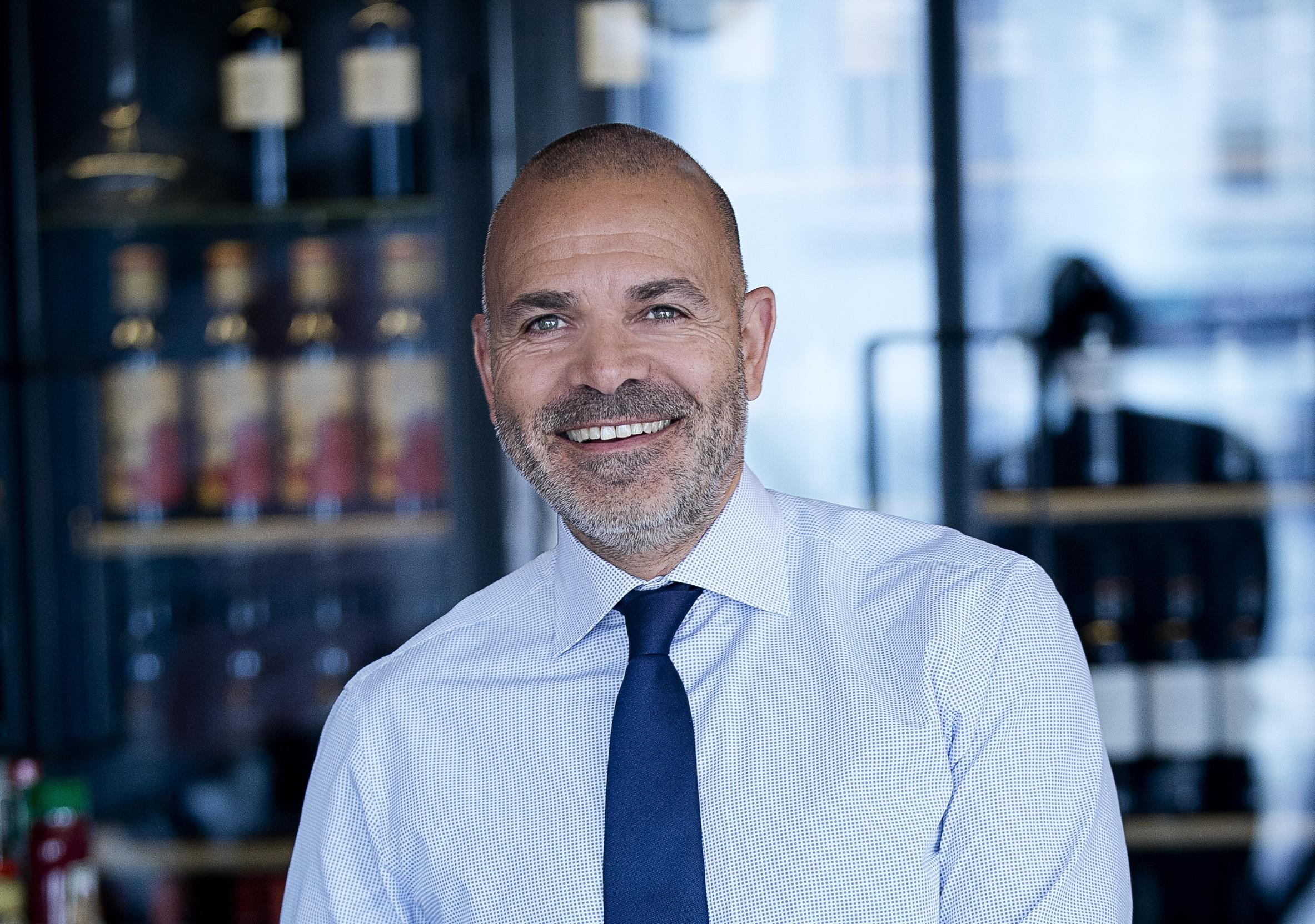 Karim Nielsen, den administrerende direktør for de seks københavnske Brøchner Hotels, stopper med udgangen af denne måned. Foto: Brøchner Hotels.