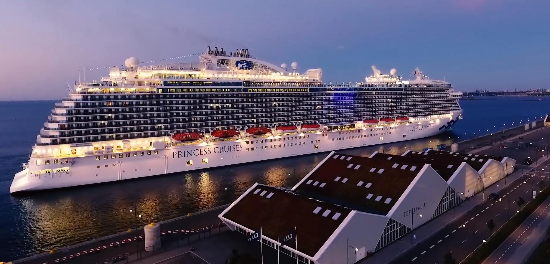 Et krydstogtskib fra det amerikanske rederi Princess Cruises i Københavns Havn – rederiet ejes af Carnival, verdens største udbyder af krydstogtrejser. Foto: CruiseCopenhagen.