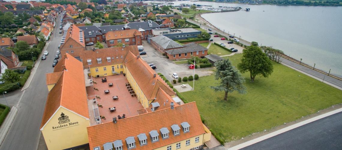 Hotel Residens Møen med udsigt til Stege Bugt er nu med i kæden af privatejede hoteller og kroer i Small Danish Hotels. PR-foto.