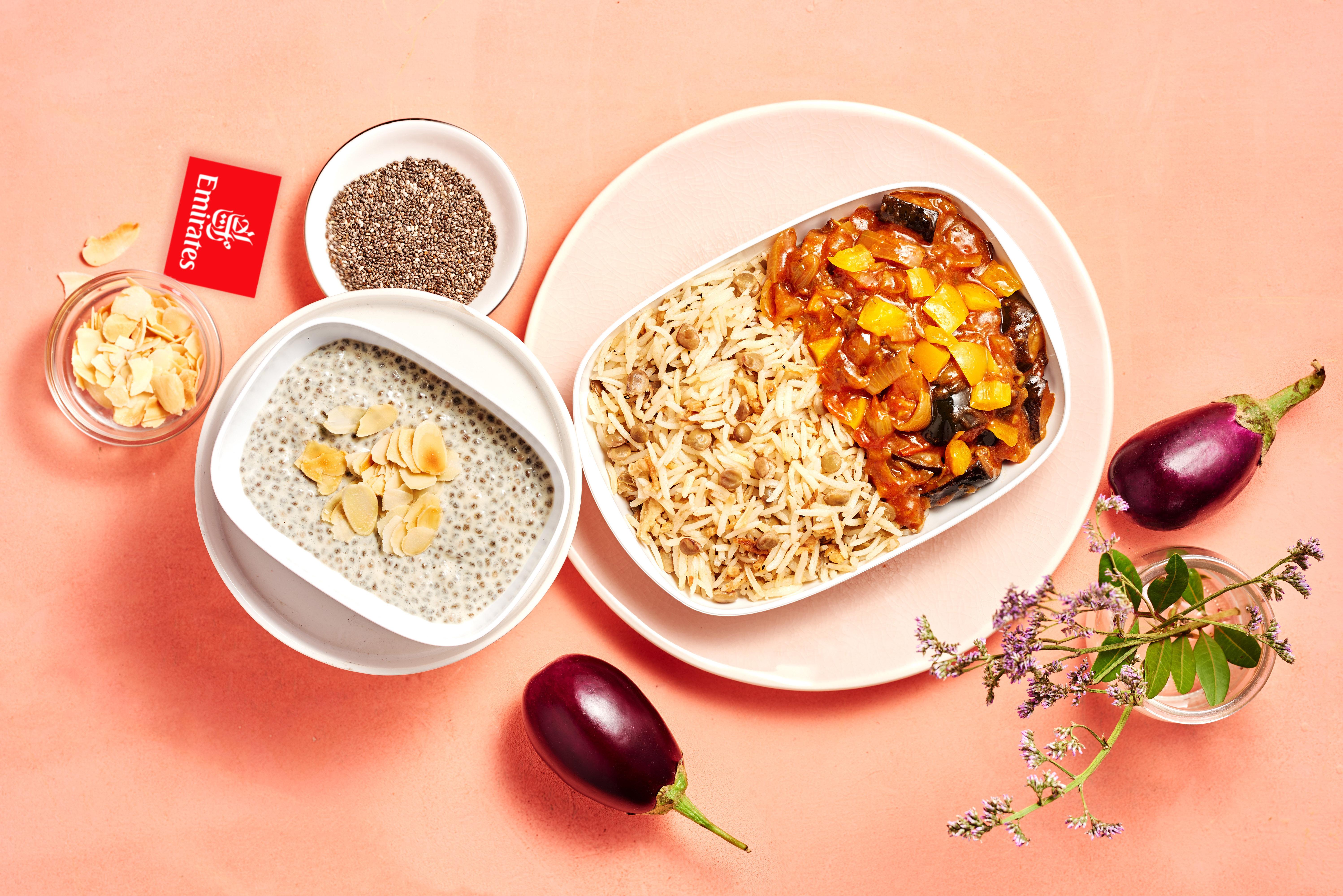 Sådan kan en vegetarmenu se ud på Emirates' economy class. Foto: Emirates.