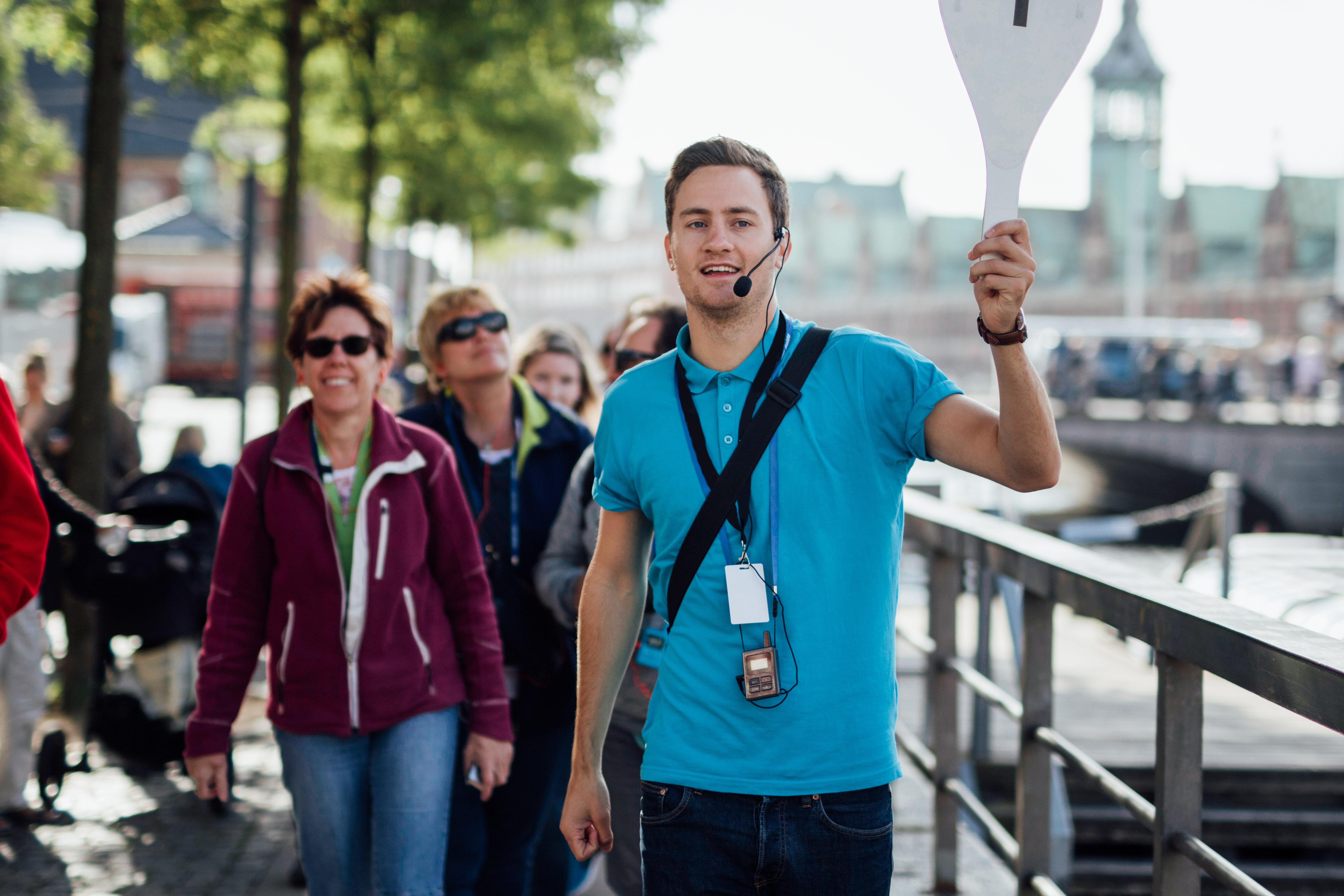 Guide fra guidebureauet GVIDI, der samarbejder med incomingbureauet BDP på rundvisning i København. Foto fra Dansk Røde Kors: Zevegraf IVS.
