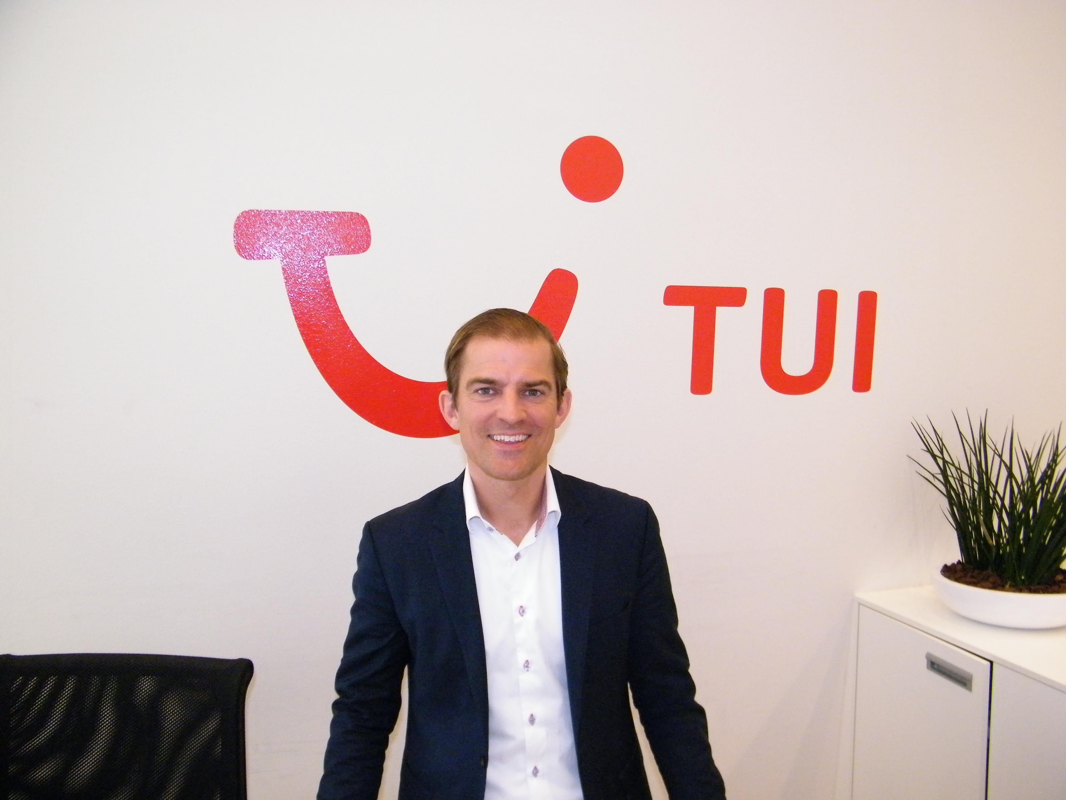 Alexander Huber, øverste chef for TUI i Norden.  TUI har de sidste fem år haft et fald i omsætningen i Danmark på godt 350 millioner kroner.Foto: Henrik Baumgarten.