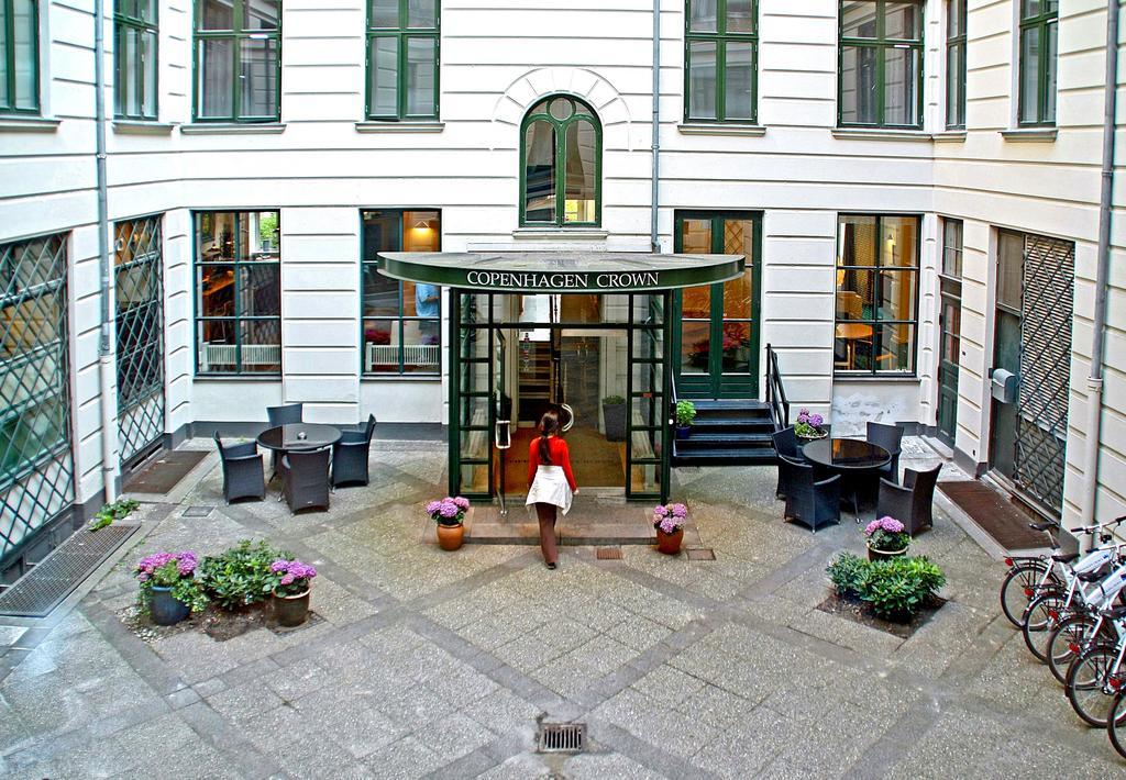 Hotel Copenhagen Crown på Vesterbrogade er nu købt af restaurantkæden Cofoco, der vil opgradere hotellet til fire stjerner efter en igangværende stor renovering. PR-foto.
