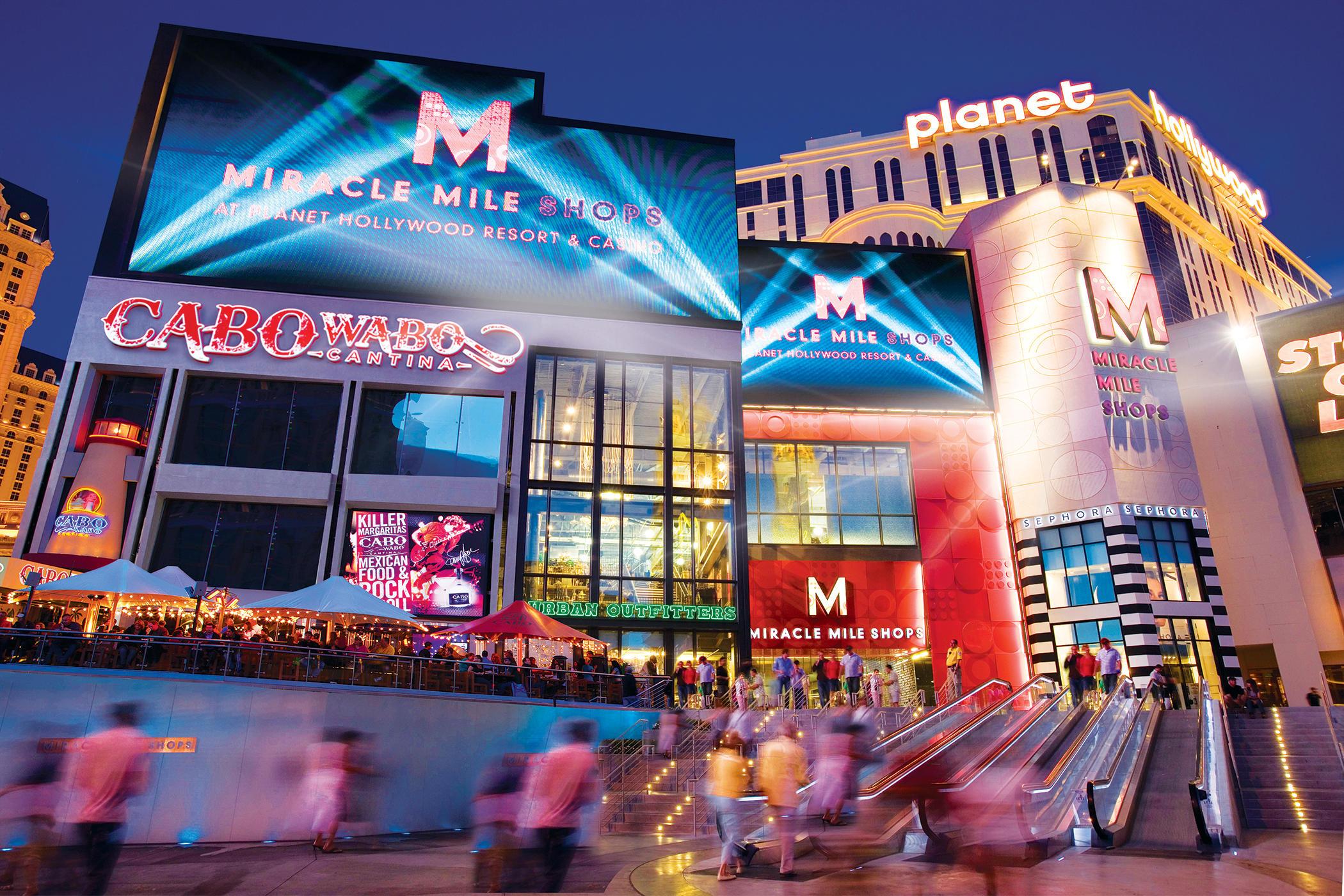 Miracle Mile i Las Vegas. Byens turister har i snit 3,5 overnatninger og den gennemsnitlige turist er lige over 44 år. Pressefoto fra The Las Vegas Convention and Visitors Authority.