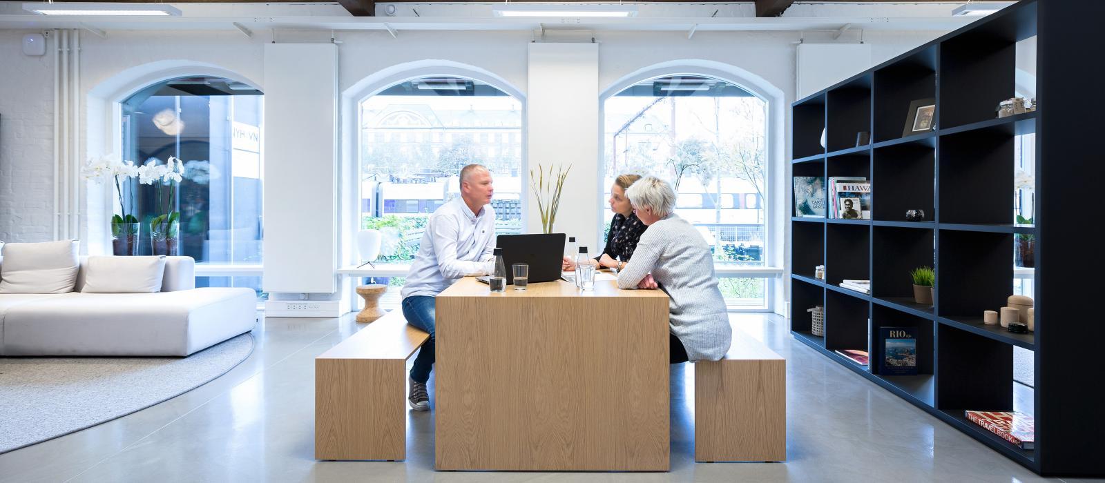Bestyrelsen i Danmarks Rejsebureau Forening foreslår at ændre reglerne så også mindre rejsebureauer nemmere kan blive medlem af foreningen. Her arkivfoto fra et af de store DRF-medlemmer, Nyhavn Rejser.