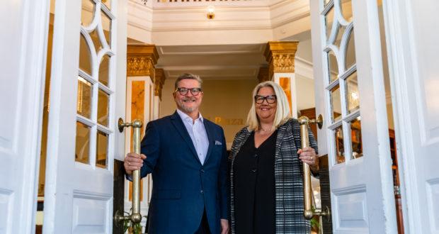 Ægteparret Dorte og Jan Milling, der ejer de foreløbig ti hoteller i danske Milling Hotels. Kæden har kig på København, men der vil gå et par år før den får hotel i hovedstaden. Foto: Milling Hotels.