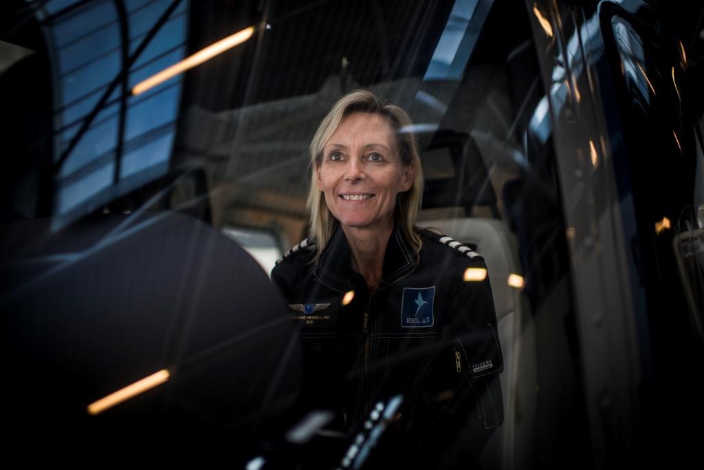 Susanne Hesselund i cockpittet. (Foto: Belair/PR)