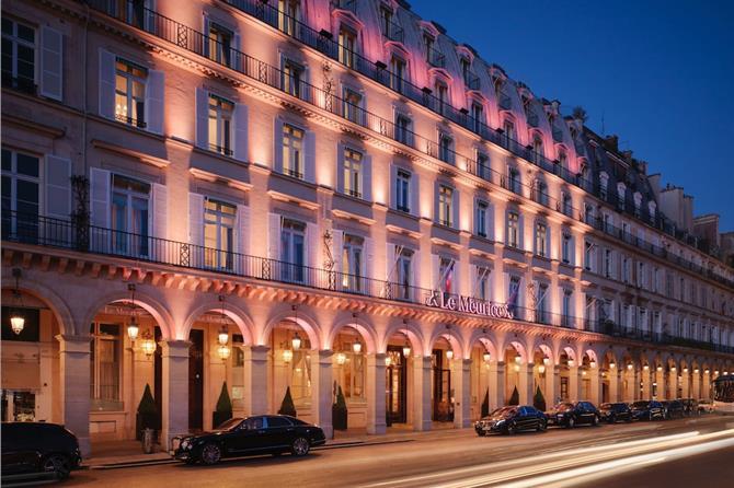Luksushotellet Le Meurice i Paris, ejet af sultanen af Borneo, var indtil mandag middag på Spies.dk's liste over hoteller der kunne bookes via hjemmesiden. Pressefoto.