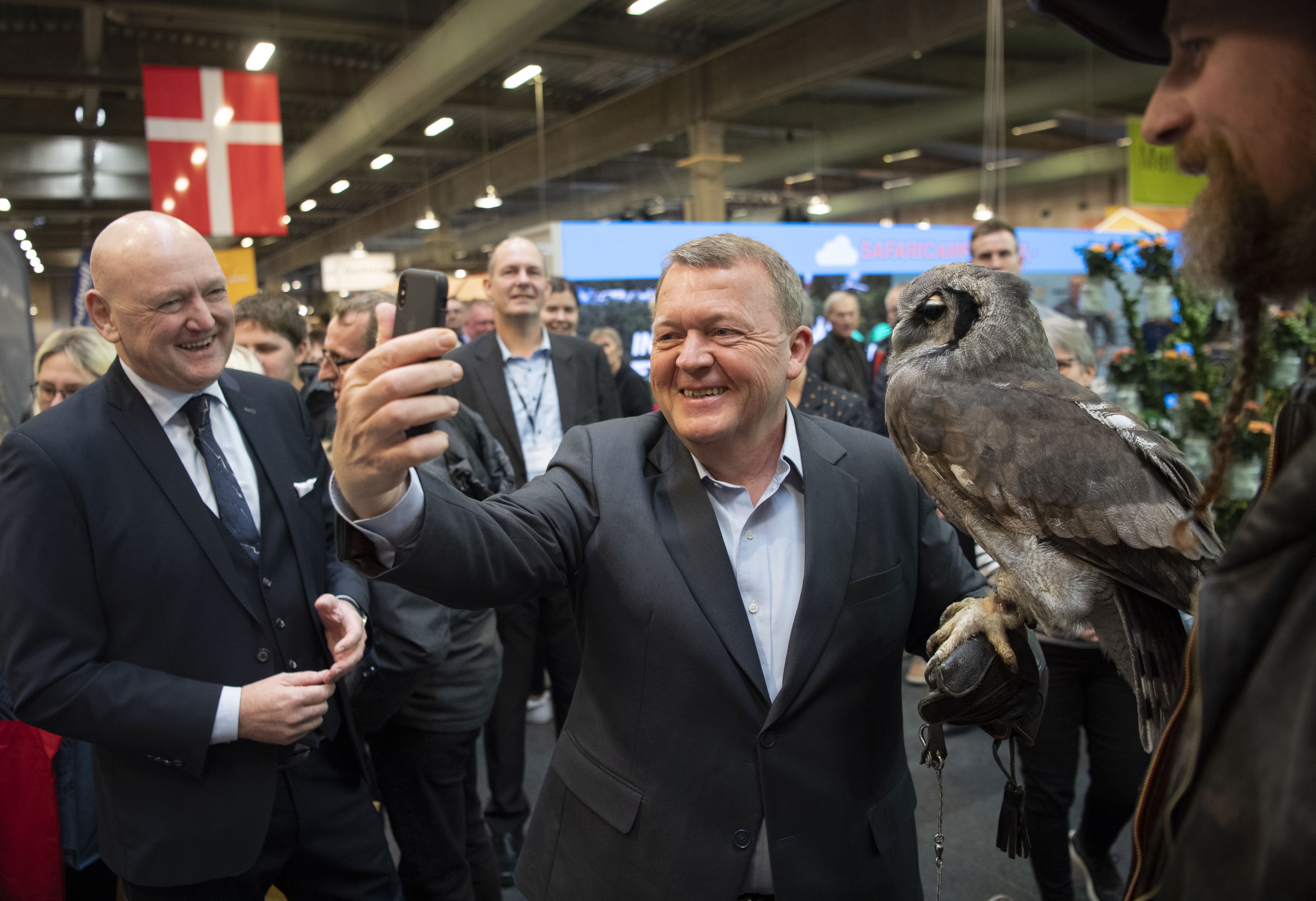 Statsminister Lars Løkke Rasmussen var blandt de over en million gæster sidste år i Messecenter Herning – her besøger hans centrets største publikumsmesse, Ferie for Alle. Foto: MCH/Lars Møller.
