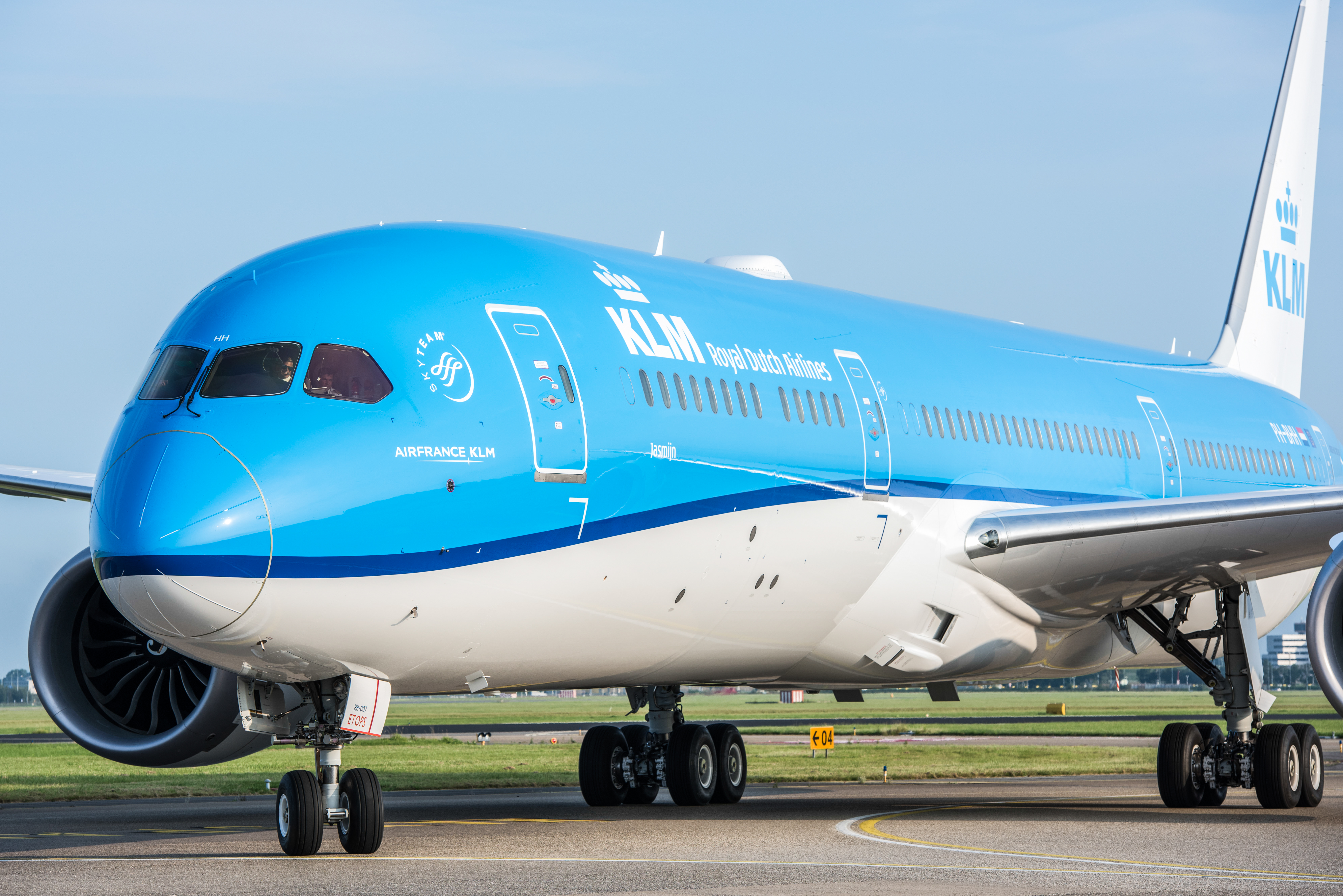 KLM har bestilt 13 Boeing B787-9 Dreamliner og skal have otte eksemplarer af den større version af flyet, der er meget miljøvenligt, da det delvist er lavet af komposit, hvilket gør det lettere og dermed mindre brændstofforbrugende. Pressefoto: KLM.