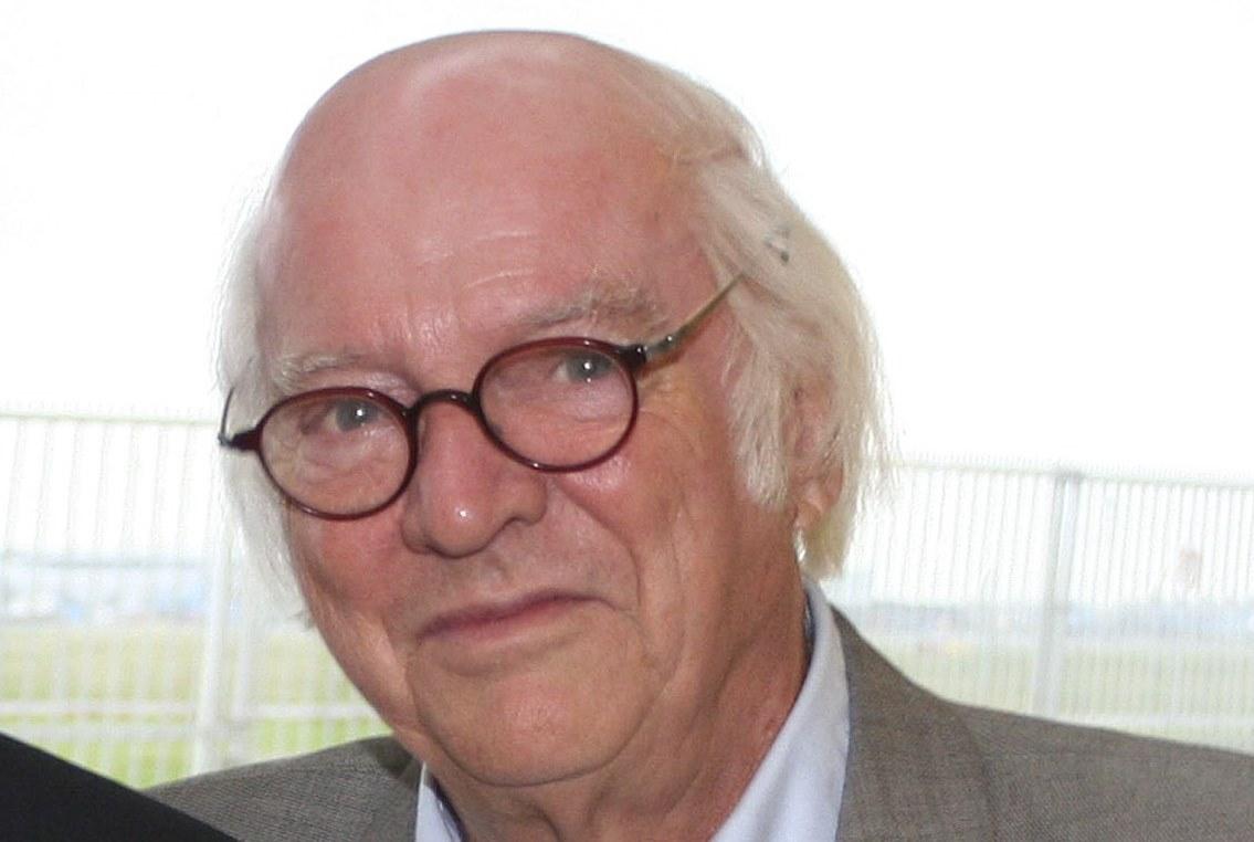 Efter en imponerende lang karriere i den danske rejsebranche stopper Ejvind Olesen med at skrive for STANDBY.dk – der er mulighed for at hilse på legenden ved en reception på Hotel Phoenix Copenhagen tirsdag den 28. maj klokken 15 og 17.