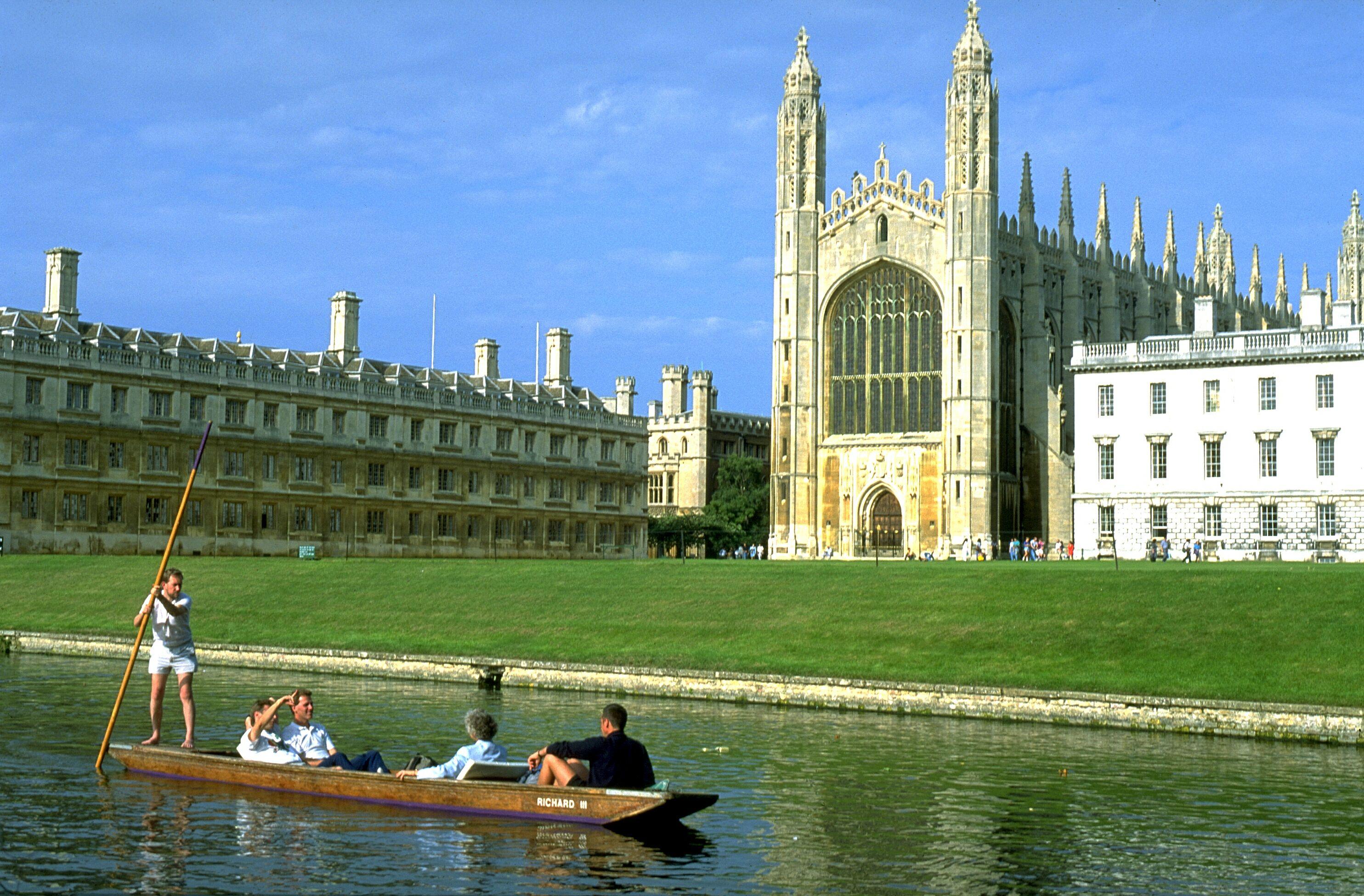 Storbritannien er ikke kun London, landet har meget andet at byde på. Her er det Cambridge, en af de berømte universitetsbyer uden for den britiske hovedstad. Arkivfoto.
