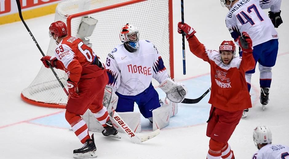 Da der sidste år var ishockey-VM i Danmark, var der i snit 8.132 tilskuere til de 64 kampe – her spilles der i Boxen ved Messecenter Herning; foto: Lars Møller.