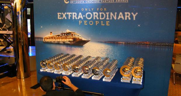 Der var så mange priser til rejsebureauerne, at prisuddelingen fra Costa Cruises var delt over to aftener. Foto: Henrik Baumgarten.