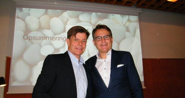 Fra onsdagens debatmøde på Comwell Borupgaard, til venstre Tivolis administrerende direktør, Lars Liebst, og administrerende direktør for Dansk Erhverv, tidligere minister Brian Mikkelsen. Foto: Henrik Baumgarten.
