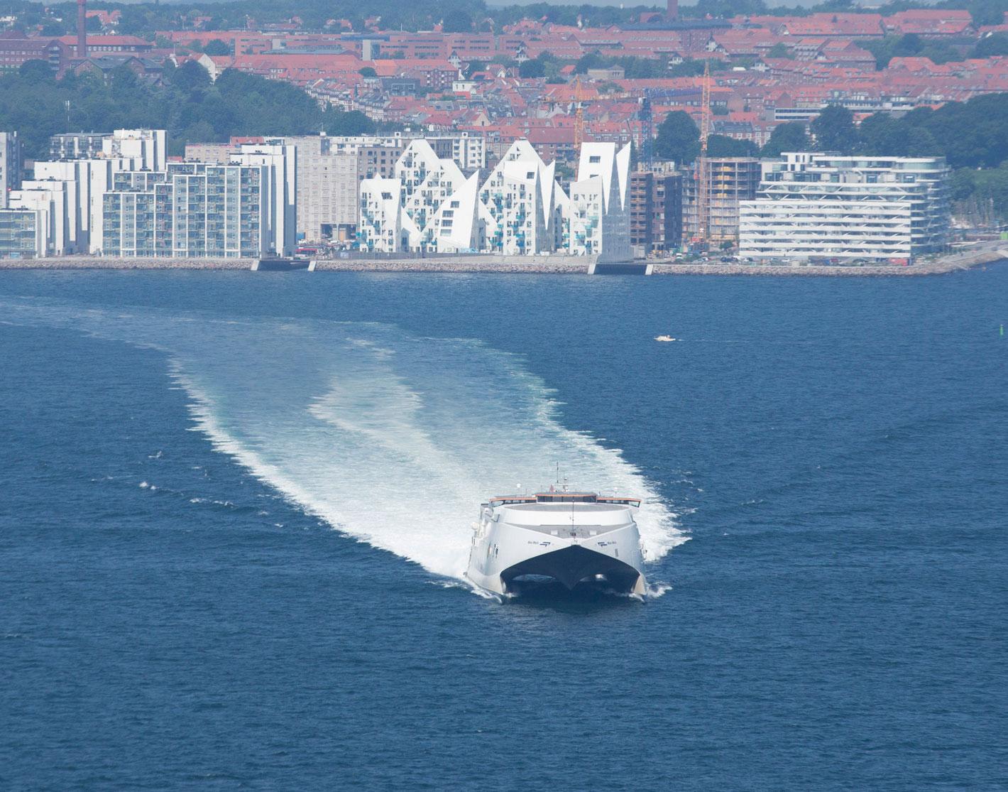 Molslinjen, der er det dominerende færgerederi på danske indenrigs færgeruter, har igen fået en millionbøde for forholdene omkring dets betjening af ruterne til Bornholm. Foto: Molslinjen.