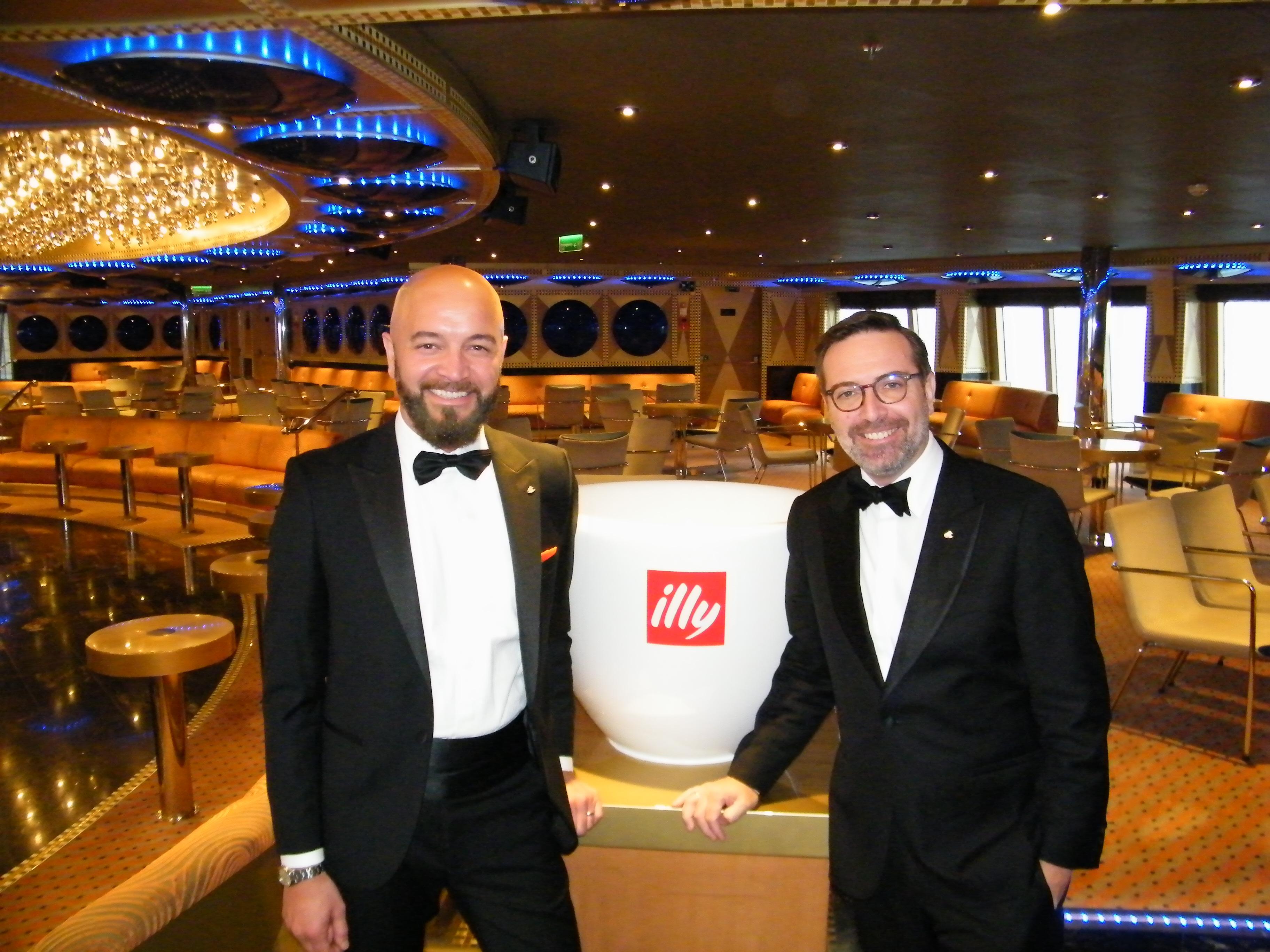 Costa Cruises' skandinaviske salgschef, Giancarlo Tedesco, til venstre, og Ralph Remkes, krydstogtrederiets general manager for Skandinavien og Holland. Foto: Henrik Baumgarten.