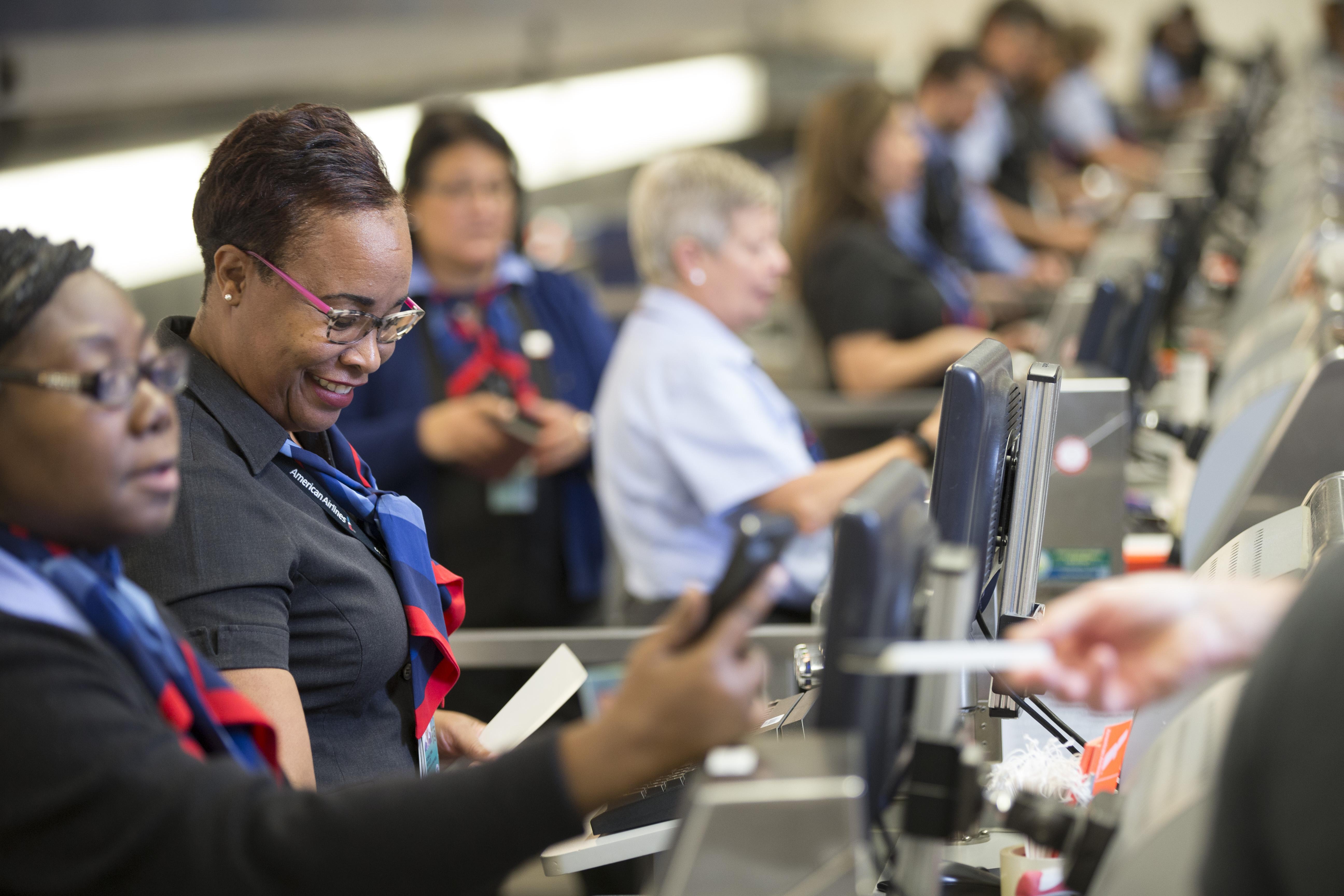 De tre største erhvervsrejsebureauer i Danmark, Amex, CWT og Egencia, omsætter for over fire milliarder kroner om året – over halvdelen af omsætningen blandt de danske erhvervsrejsebureauer. Pressefoto fra American Airlines.