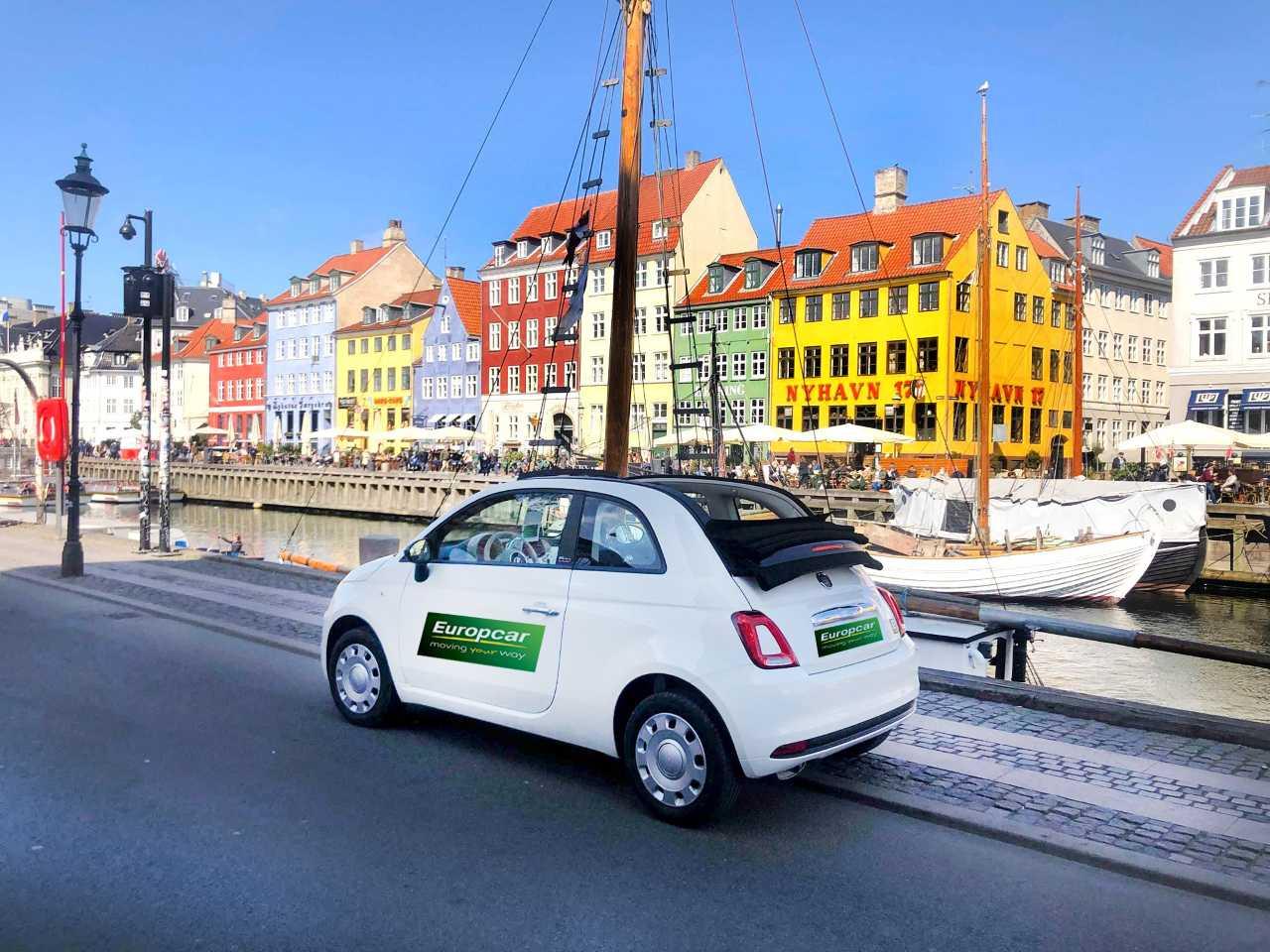 Europcar, Danmarks største biludlejer, har i højsæsonen omkring 7.300 biler til udlejning – bilerne er delt op i to flåder, med og uden danske afgifter, sidstnævnte kan danske statsborgere ikke leje. Foto: Europcar.