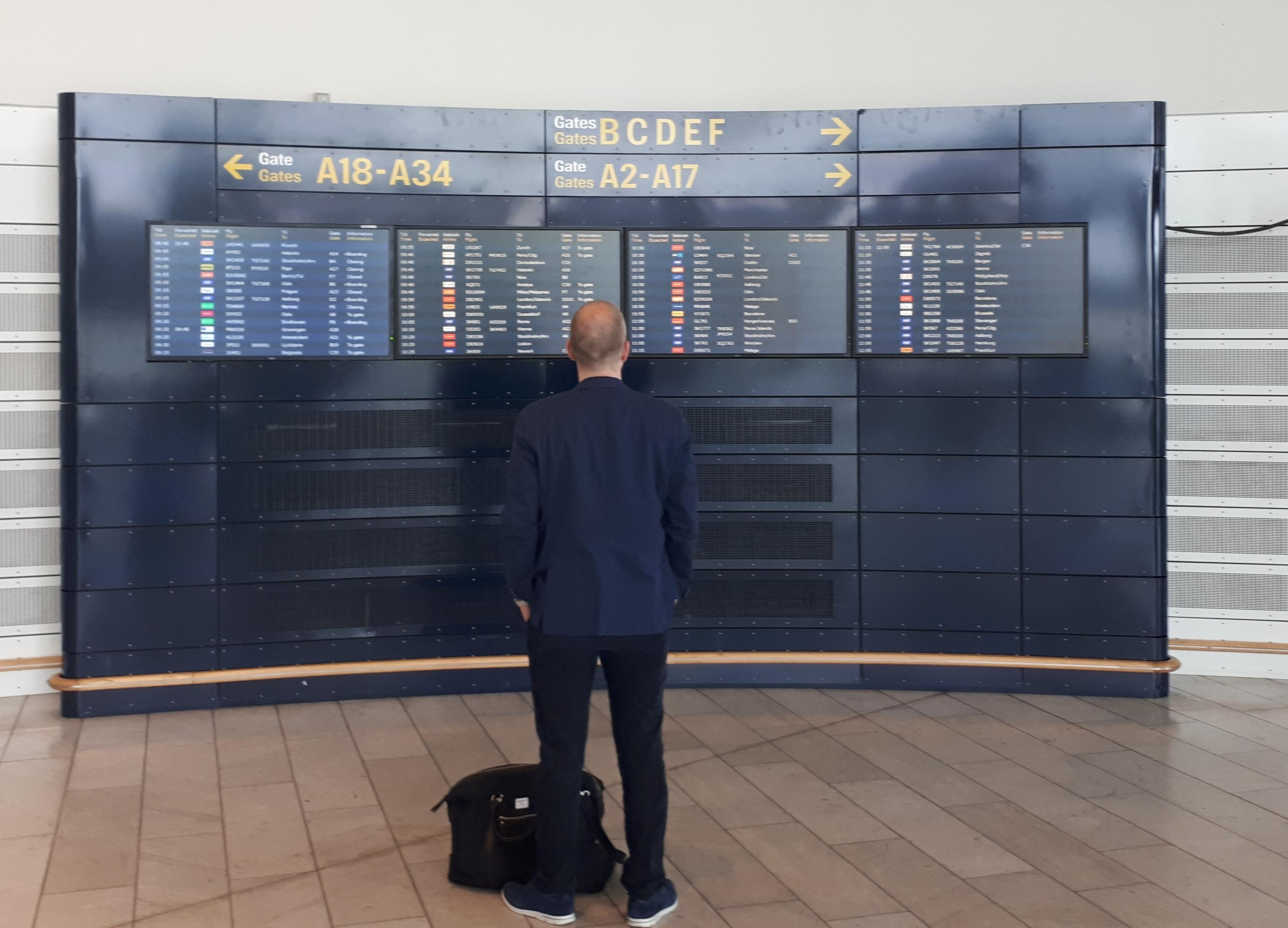 """Rejsebureauerne skal nu indtaste passagerernes kontaktinformationer til flyselskaberne – hvis de undlader at gøre det, kan det koste såkaldte """"dummebøder."""" Arkivfoto: Henrik Baumgarten."""