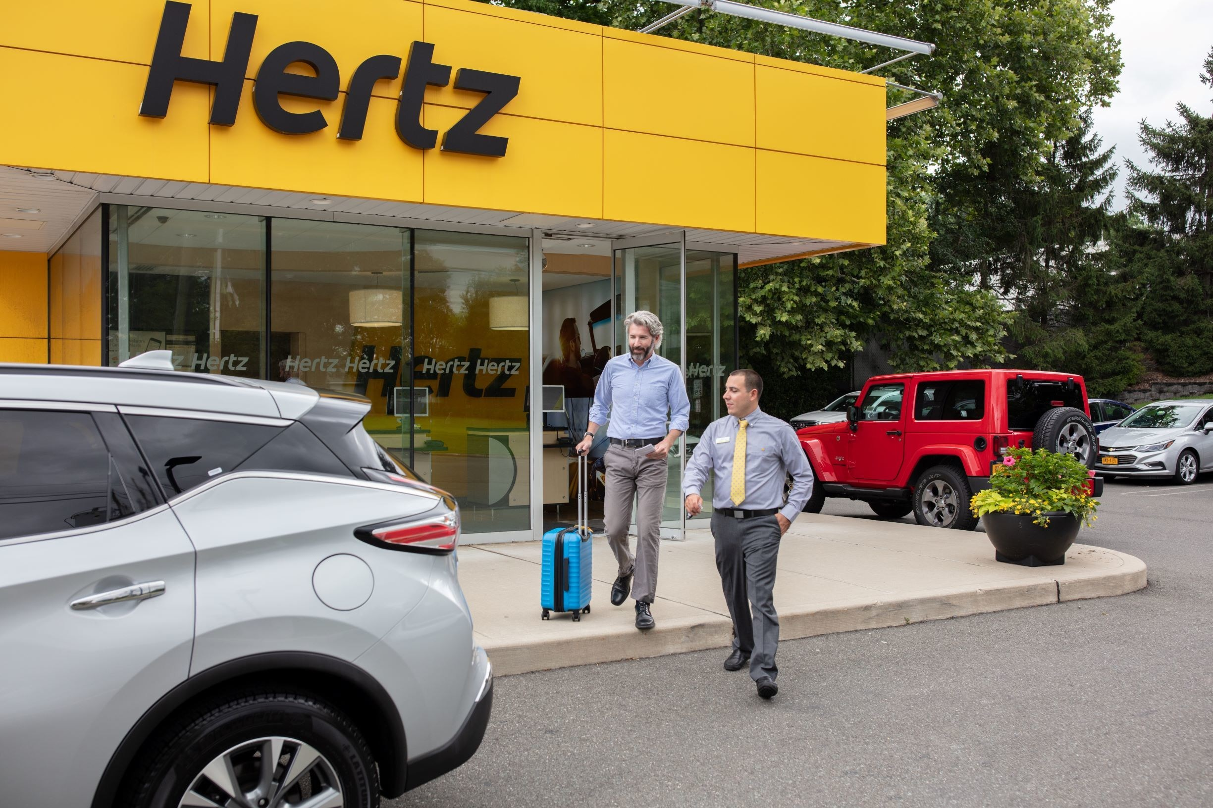 Hertz vil fortsat gerne samarbejde med rejsebureauer, men så kræver det en stor volumen. Arkivfoto fra Hertz Biludlejning.