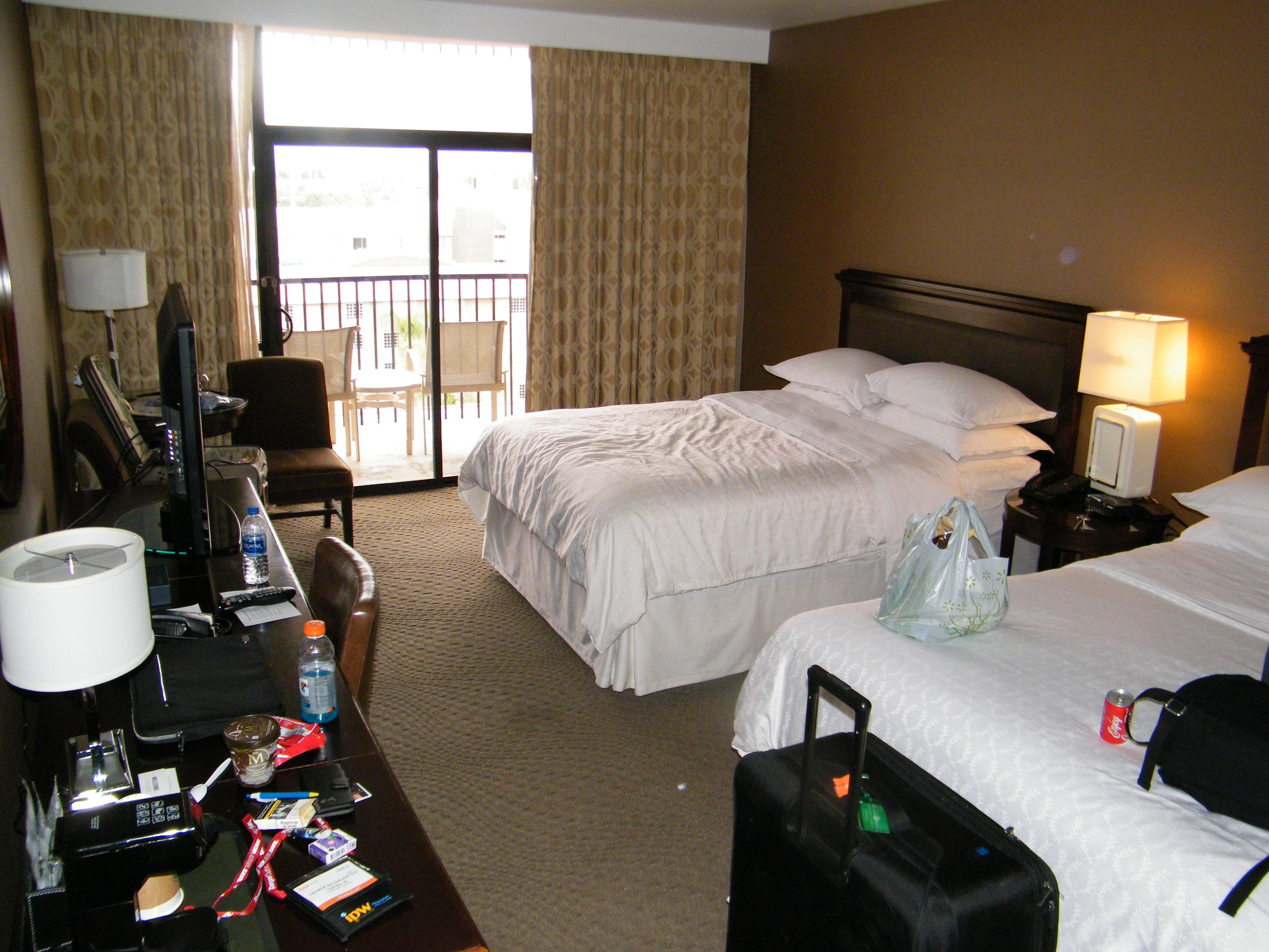 Forretningsrejsende fra verden over har nogle fælles krav til deres hotelværelse, mens der på andre områder er divergens mellem nationaliteterne, viser ny undersøgelse. Her er et Sheraton-værelse i Anaheim i Californien, foto: Henrik Baumgarten.