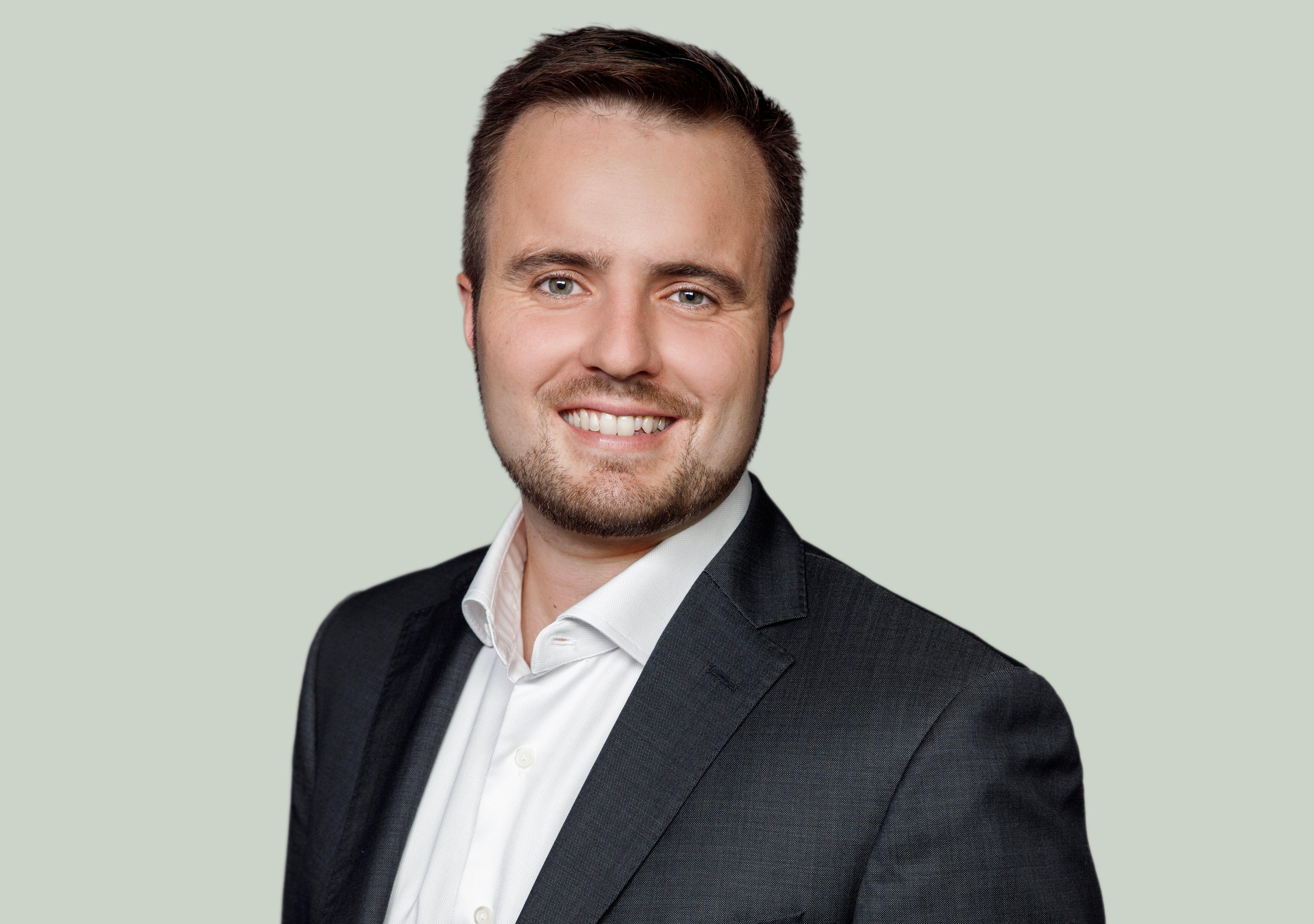 Simon Kollerup er Danmarks nye erhvervsminister, og dermed også minister for dansk turisme. Pressefoto: Socialdemokratiet, Partikontoret.