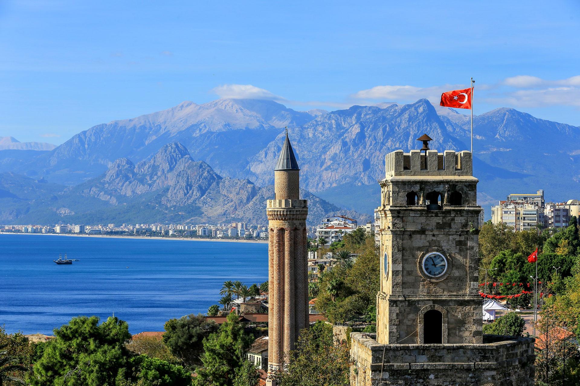 Vekselkursen mellem den danske kroner og den tyrkiske lira har på tre år gjort, at danske turister på papiret får 50 procent mere valuta for pengene i Tyrkiet. Arkivfoto.