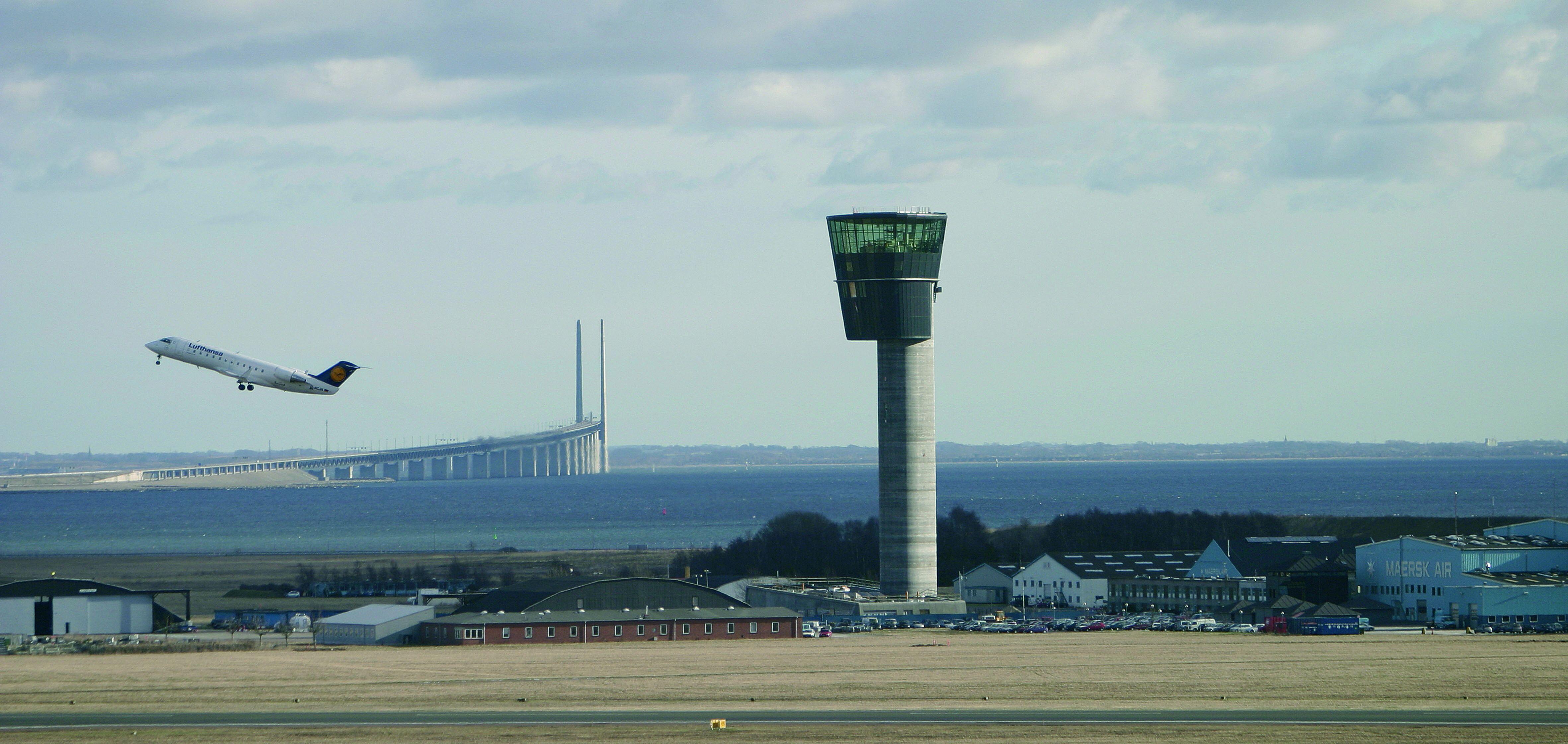 Klik for stort format. Københavns Lufthavn har ni af sine over 30 millioner årlige passagerer i de tre sommermåneder. Pressefoto: Københavns Lufthavn.
