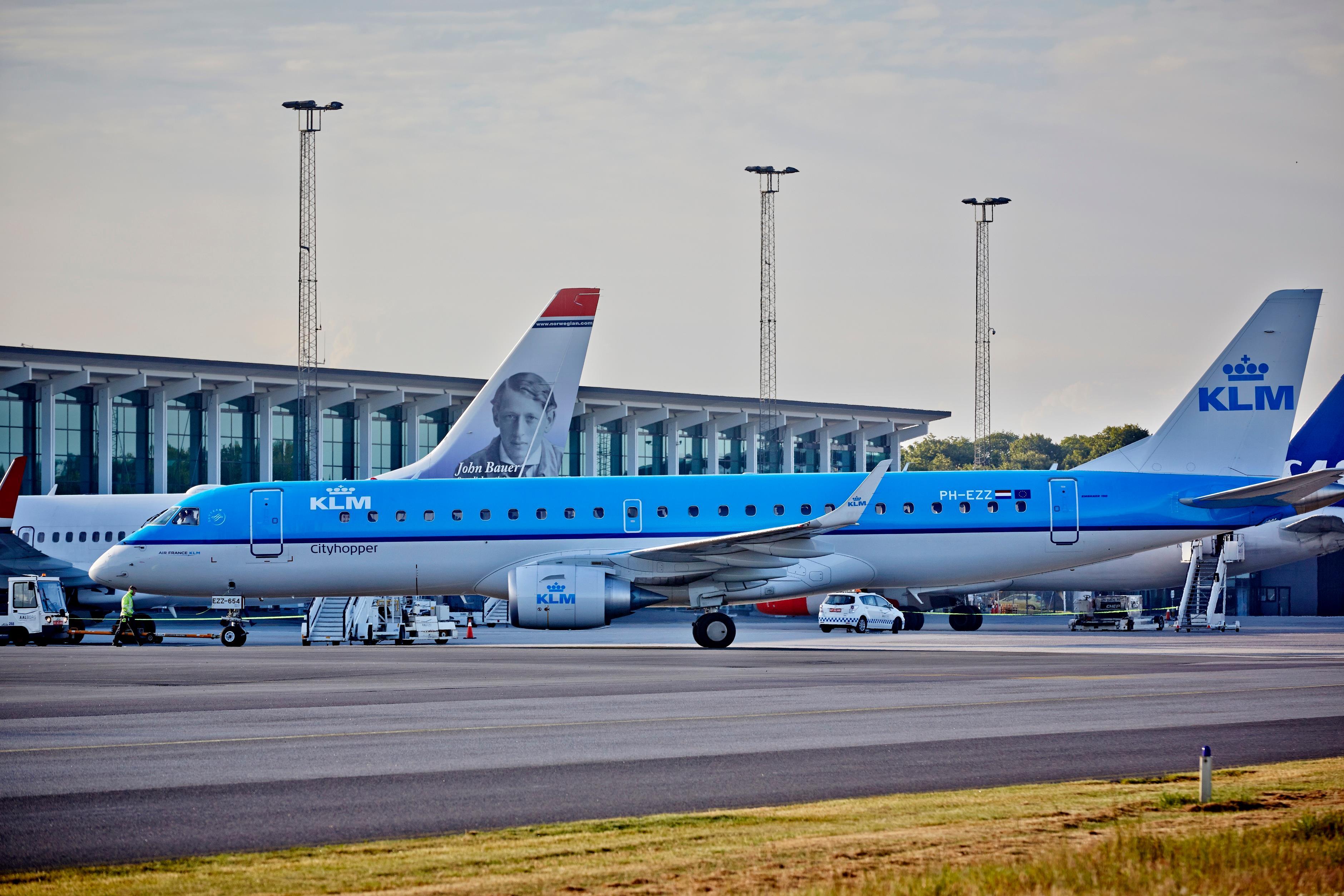 Foto fra Aalborg Lufthavn, hvor Norwegian samlet er største kunde, mens KLM har den største udenrigsrute – fra Amsterdam til Aalborg med fire flyvninger på hverdage. Pressefoto fra Aalborg Lufthavn.