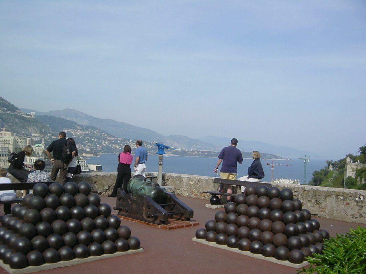 Monaco er til oktober i år vært for InVoyage-messen, der sætter fokus luksusdelen indenfor møde- og eventbranchen. Her et af de mange udsigtspunkter i Monaco med et smukt kig udover Middelhavet. Foto: Henrik Baumgarten.