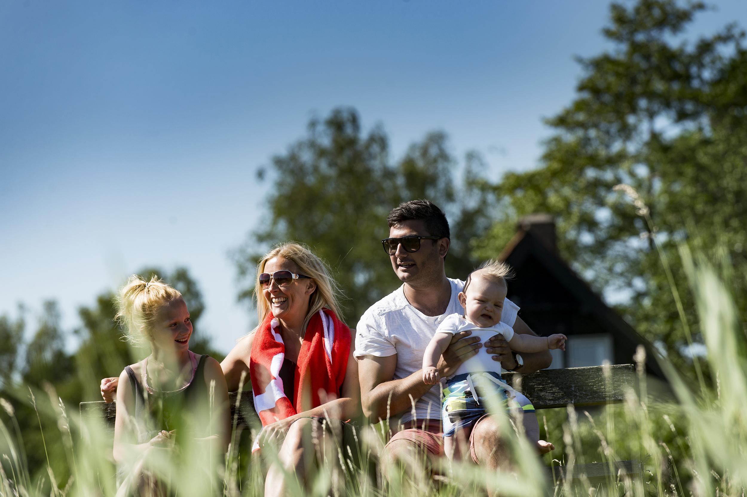 Undersøgelse fra ejendomsmæglerkæden Home og Realkredit Danmark viser, at især kvinderne og de unge i gruppen 18-29 år har CO2-udledningen ved rejser til udlandet med i deres ferieovervejelser og om at anskaffe sig et sommerhus herhjemme. Pressefoto fra Home, Peter Palle Skov.