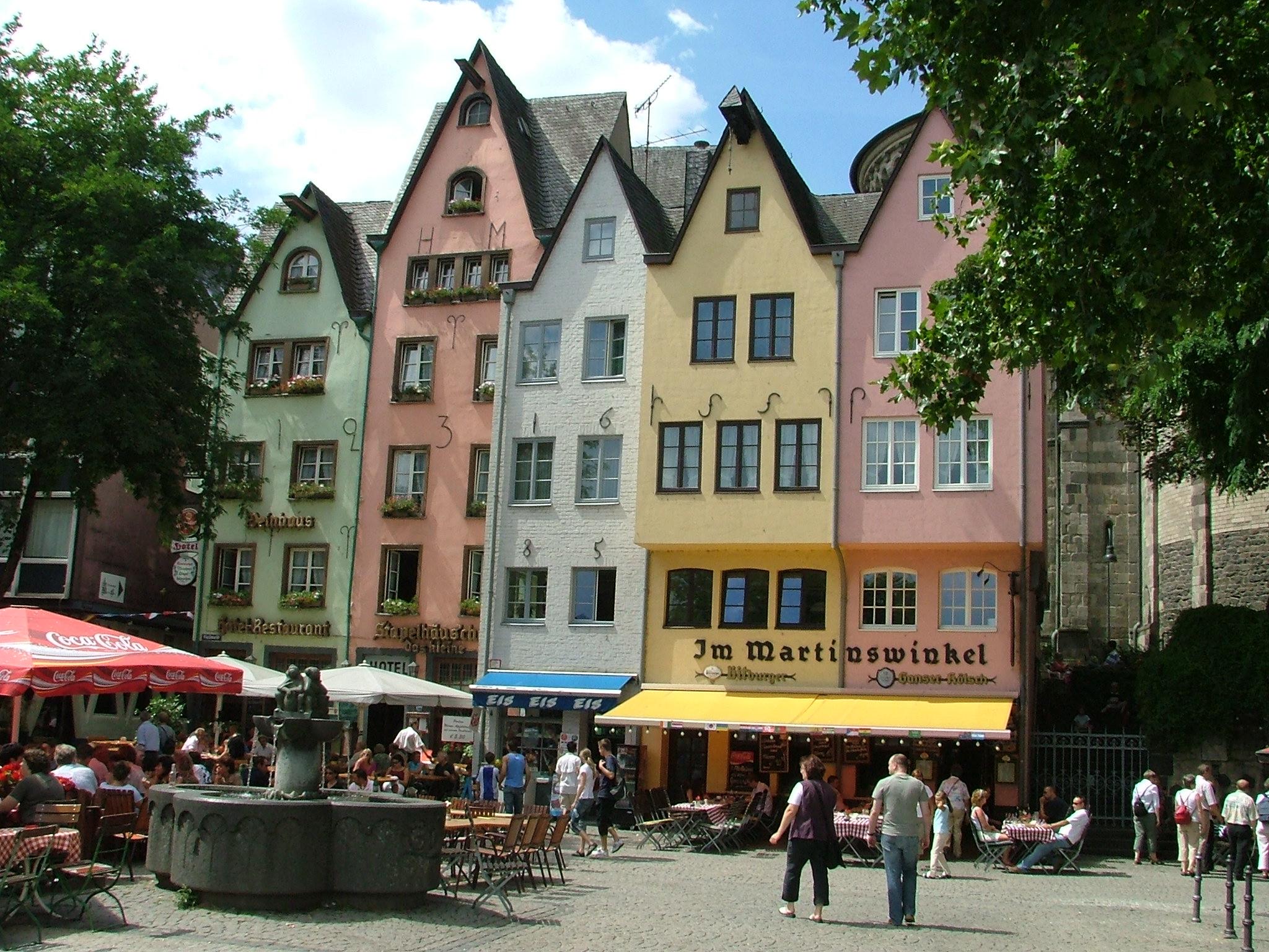 Tyskland tiltrækker stadig flere danske turister. Her er det centrum af Køln, der ligger ved Rhinen i Tysklands folkerigeste delstat, Nordrhein-Westfalen. Foto: Henrik Baumgarten.