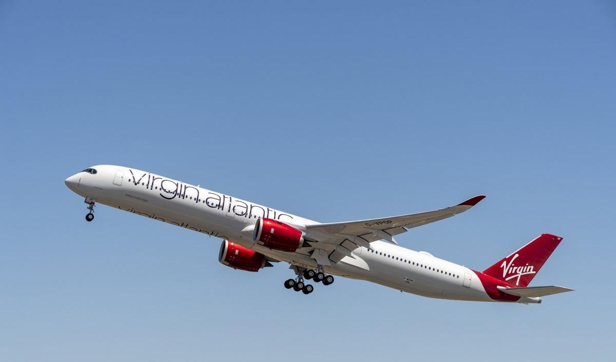 Det nyeste fly i Virgin Atlantics flåde, en Airbus A350-1000 med navnet Mamma Mia, lettede forleden. Virgin har i alt bestilt 12 eksemplarer til sin langruteflåde. Foto: Airbus, A. Doumenjou.