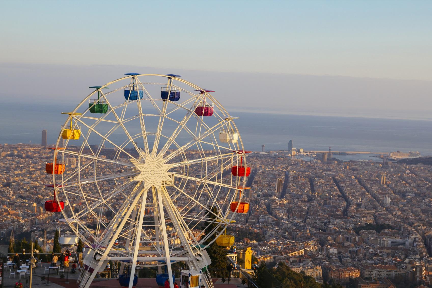 Forlystelsesparken Tibidabo i Barcelona. Kun overgået af Storbritannien, Frankrig og Tyskland – der alle hver især har mange flere indbyggere end der er i Norden – er Norden fjerdestørste udenlandske marked for ankomster af turister, ferie- som forretningsrejsende – til Spanien. Pressefoto: Det danske kontor for Den Spanske Stats Turistbureau.