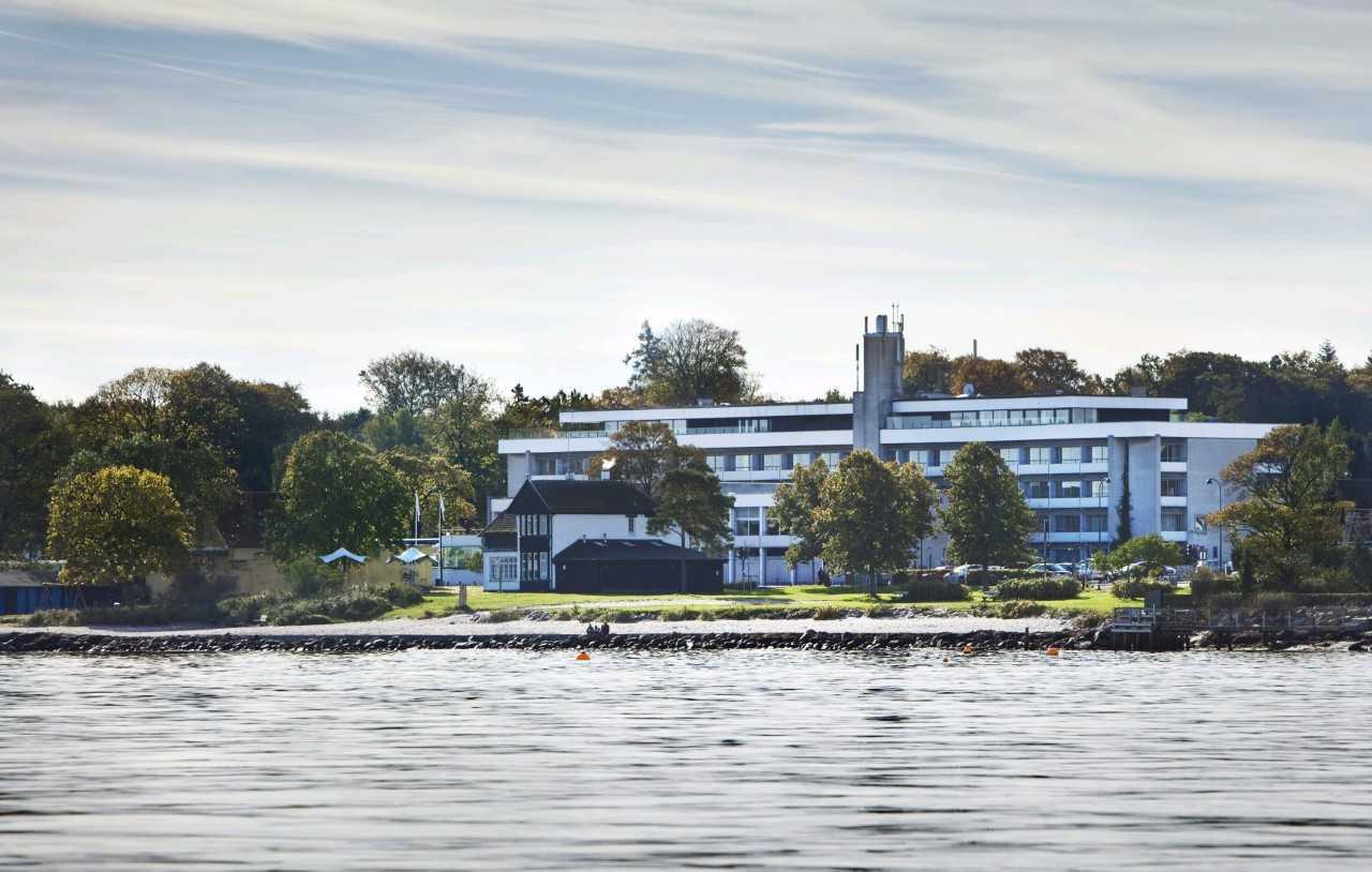 Fra oktober bliver det tidligere hjemmebanehotel for det danske fodboldlandshold, Hotel Marina i Vedbæk nord for København, en del af Best Western. Foto via Core Hospitality.