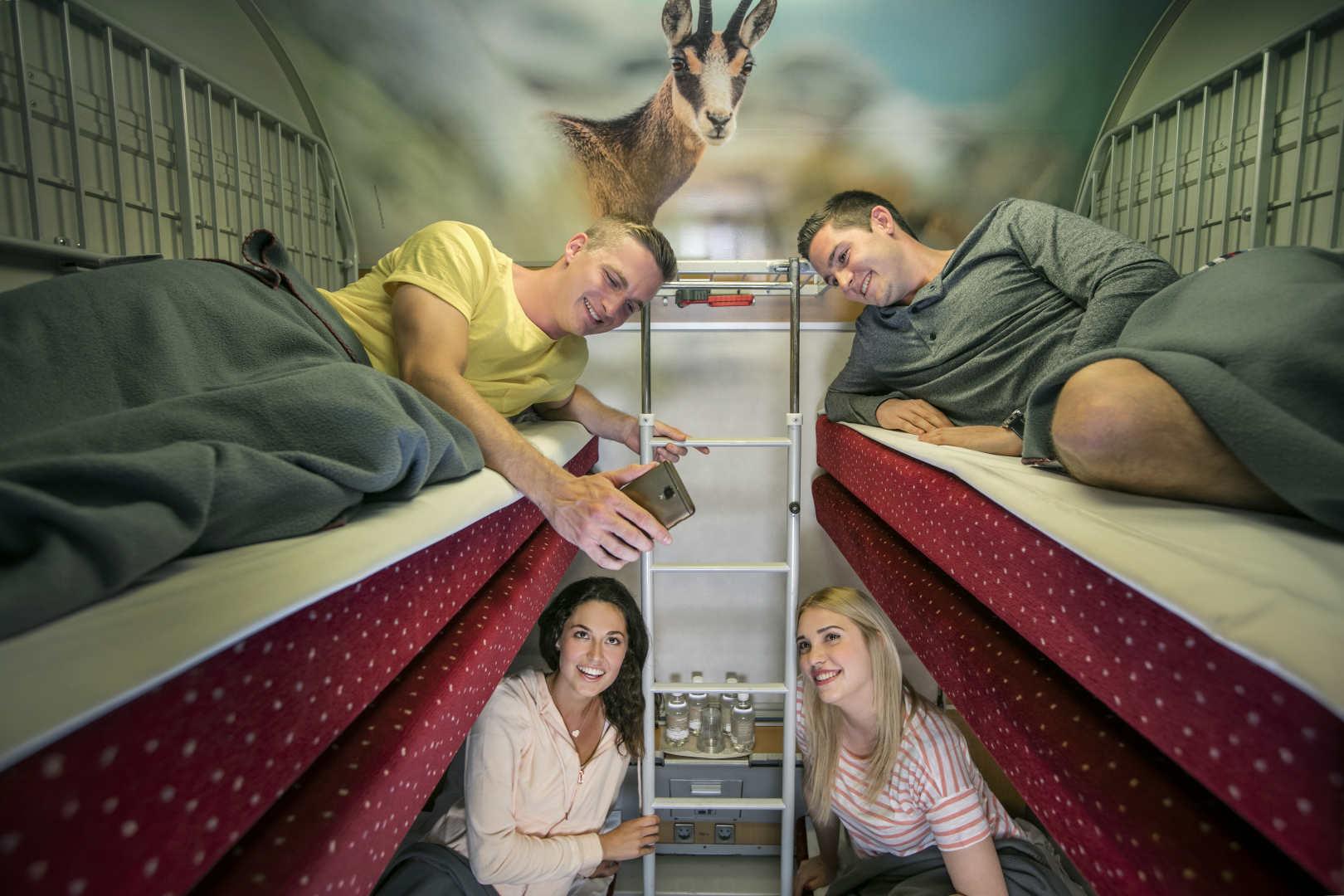 """Flere svenskere bruger toget når de rejser indenfor Sverige og på ferierejser generelt. Her pressefoto fra de østrigske jernbaner, ÖBB, der har nattog-konceptet """"Nightjet."""" Foto: Harald Eisenberger."""