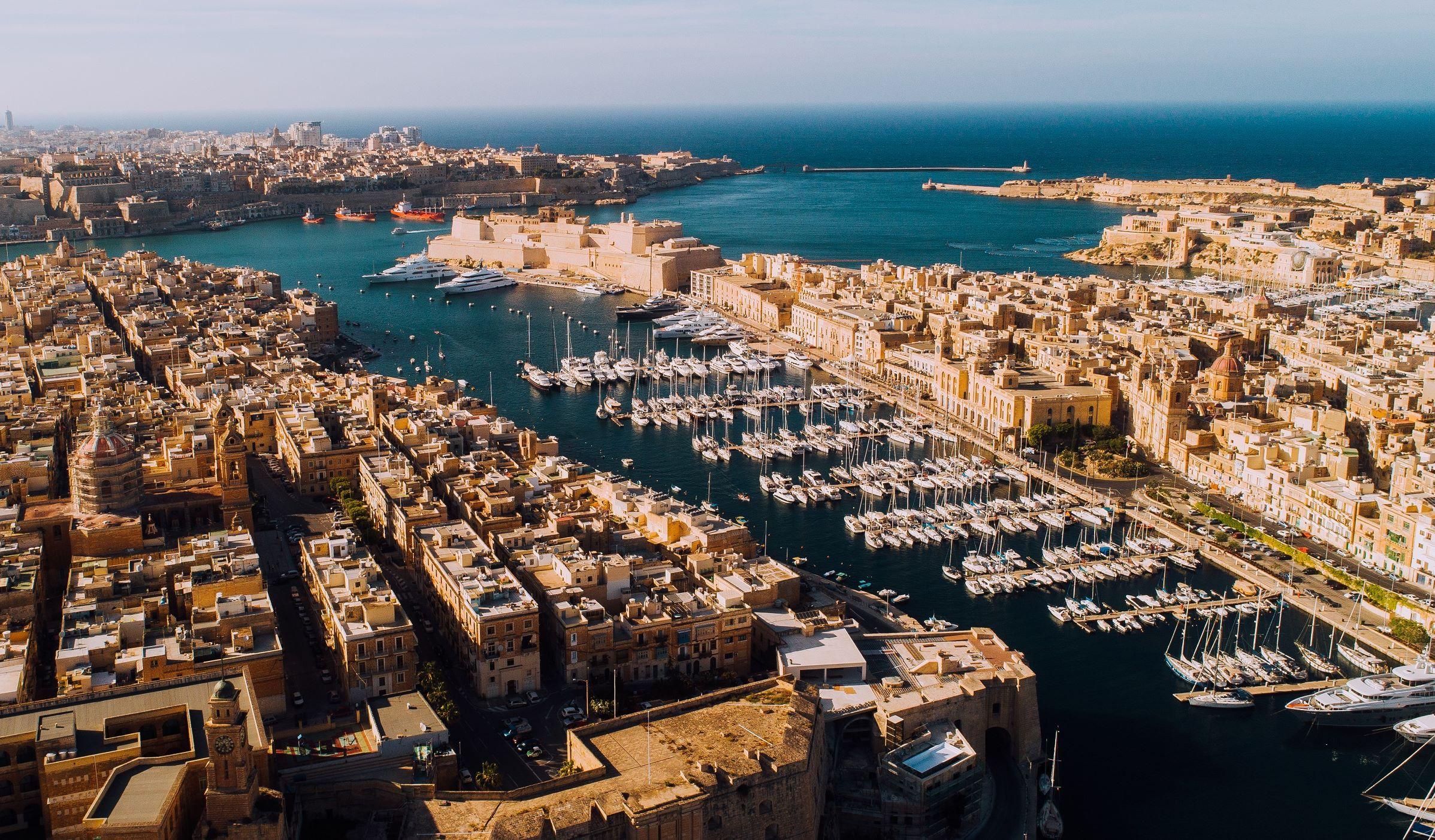Et kig udover havnen i Maltas hovedstad, Valletta, der i indbyggertal regnes som den mindste i EU. Foto: Malta Tourism Authority.