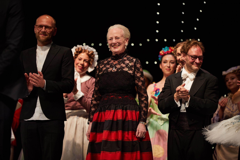 Dronning Margrethe har flere gange tegnet kostumerne til balletforestillinger i Tivoli. Her er det i forbindelse med Nøddeknækkeren. Foto for Tivoli: Kasper Witte.