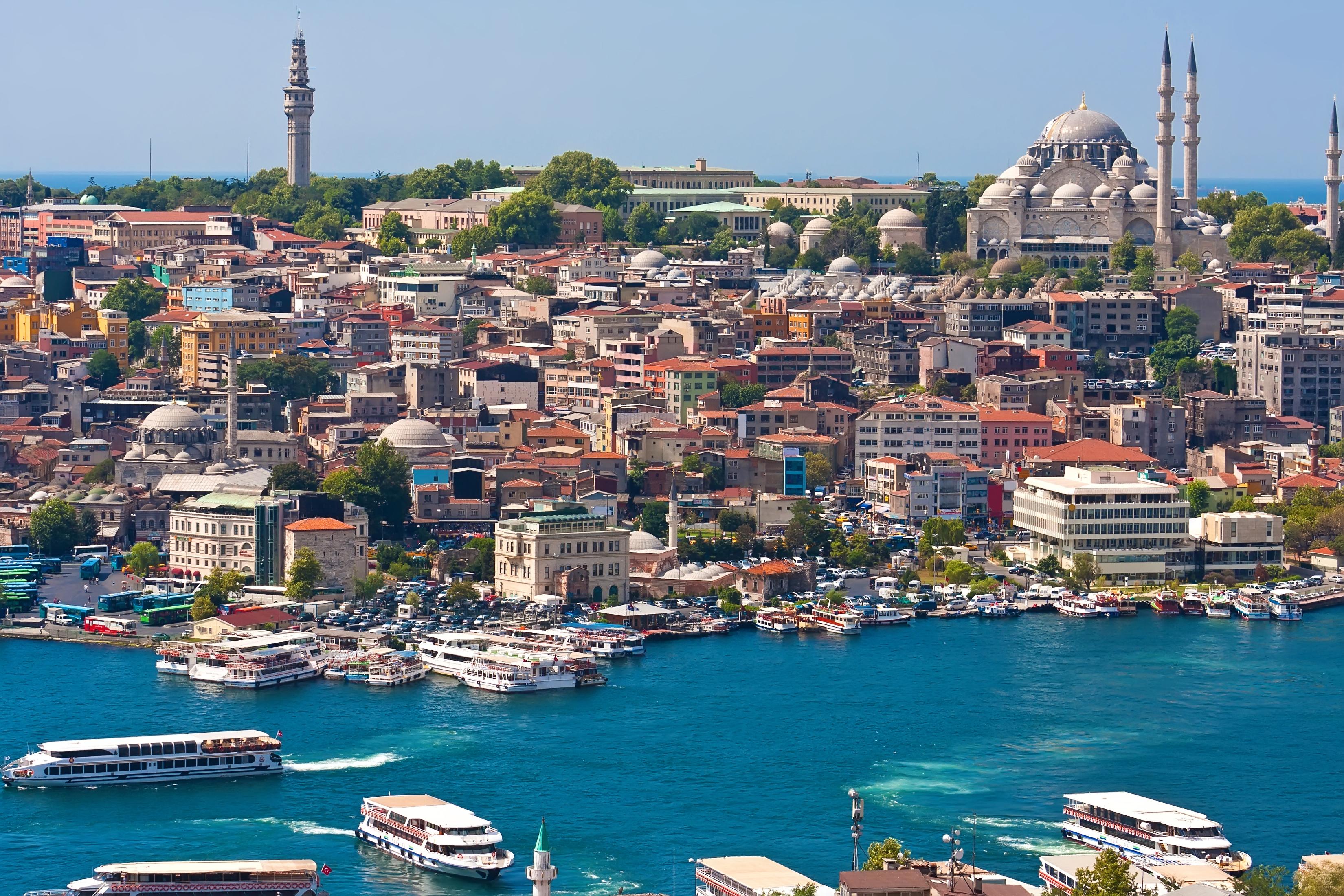 TUI sender stadig flere gæster på for eksempel forlænget weekend med rutefly. To af de nyeste tilbud er Tel Aviv i Israel og, billedet, Istanbul i Tyrkiet. Fremsendt pressefoto fra TUI.