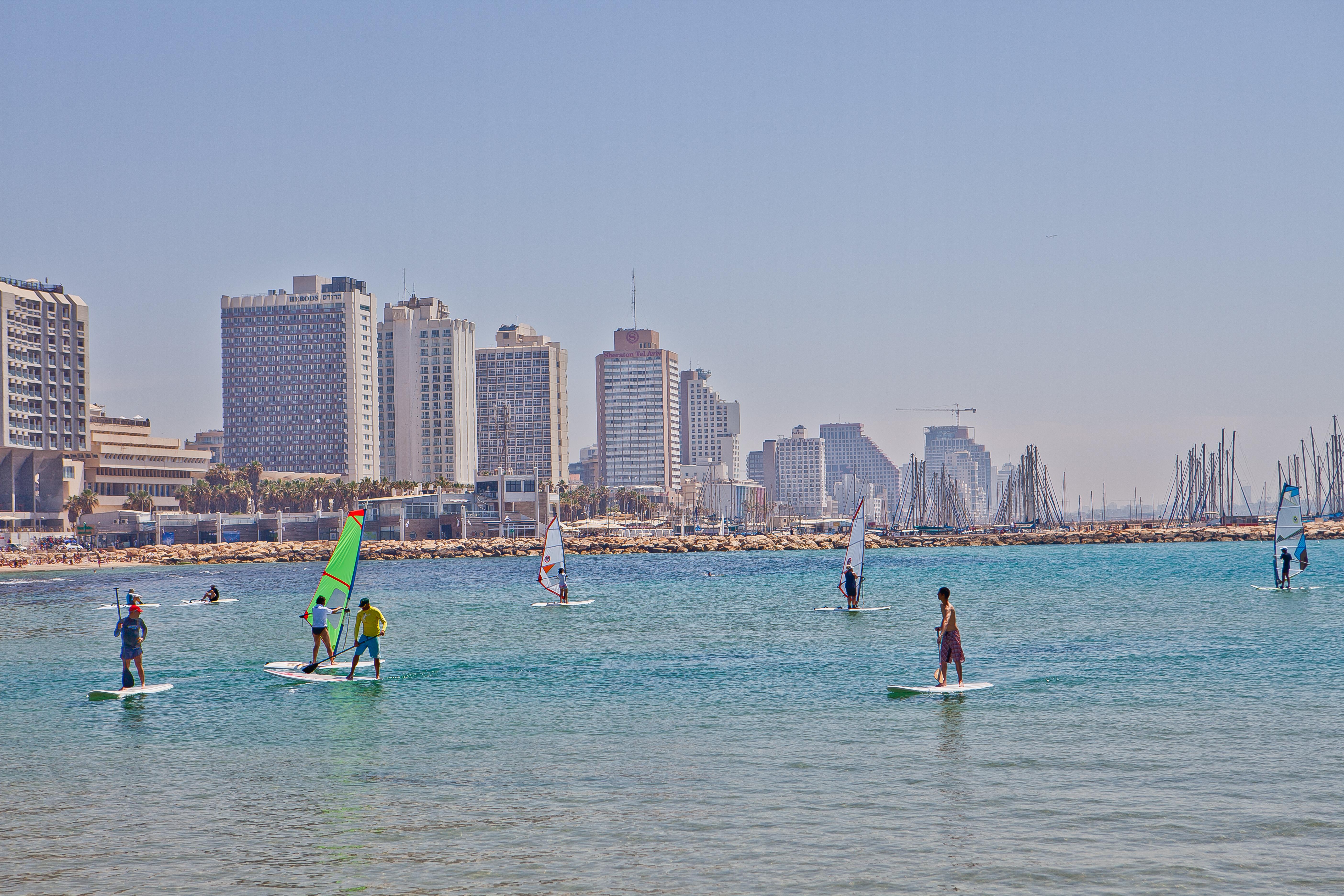 Israel fortsætter med at tiltrække flere turister, der for eksempel kombinerer badeferier med besøg i landets mange historiske områder. Pressefoto: Israel Government Tourist Office.