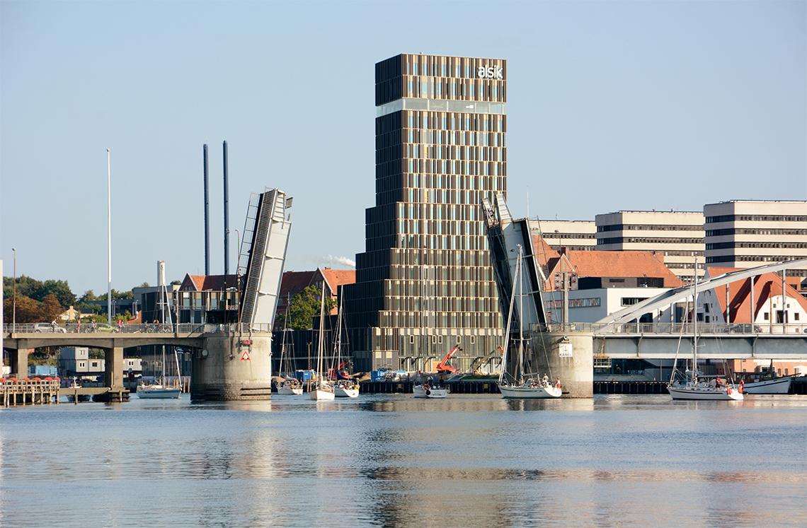 Hotel Alsik i Sønderborg er med sine 190 værelser Sønderjyllands største hotel. Pressefoto: Bitten & Mads Clausens Fond.