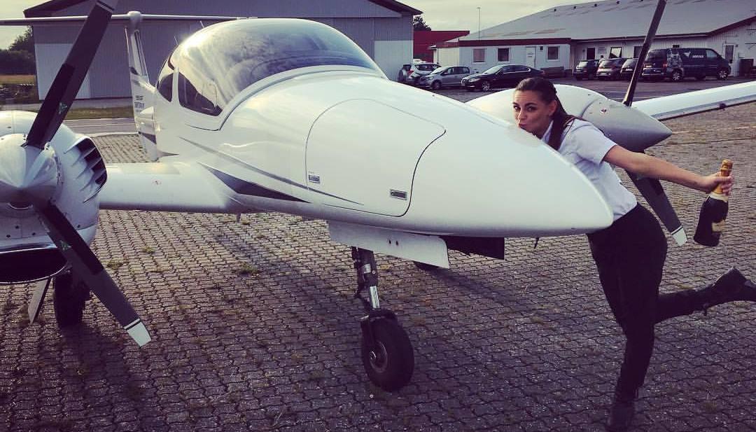 Pernille Philipa Friedrich står bag Rejseconcierge.dk og er selv uddannet pilot. (Privatfoto)