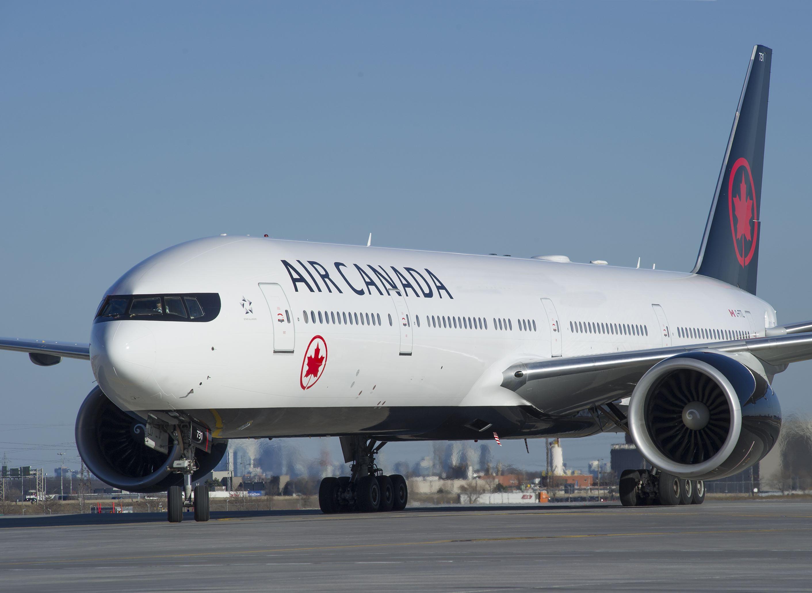I næste års højsæson indsætter Air Canada sin største version af Boeing B777-300ER på selskabets daglige rute mellem Toronto og Københavns Lufthavn. Pressefoto: Air Canada.