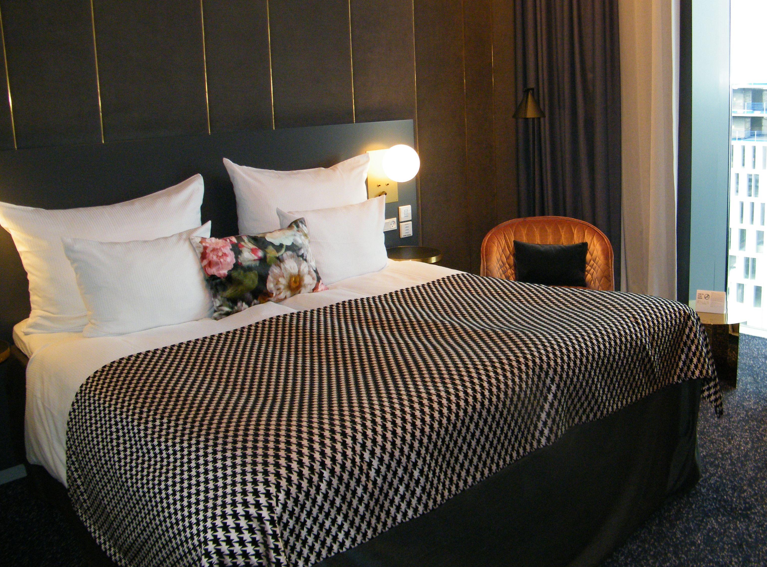 De danske hoteller har generelt haft en vækst i årets første otte måneder på 650.000 overnattende gæster – blandt andet her på det i øjeblikket eneste hotel i Københavns Lufthavn, Clarion Hotel Copenhagen Airport med 383 værelser. Foto: Henrik Baumgarten.