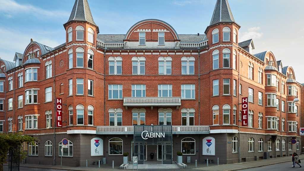 CabInn har foreløbig ét hotel i Esbjerg, Cabinn/Palads Hotel med 209 værelser – men kigger nu på yderligere et. Foto: CabInn via VisitDenmark.